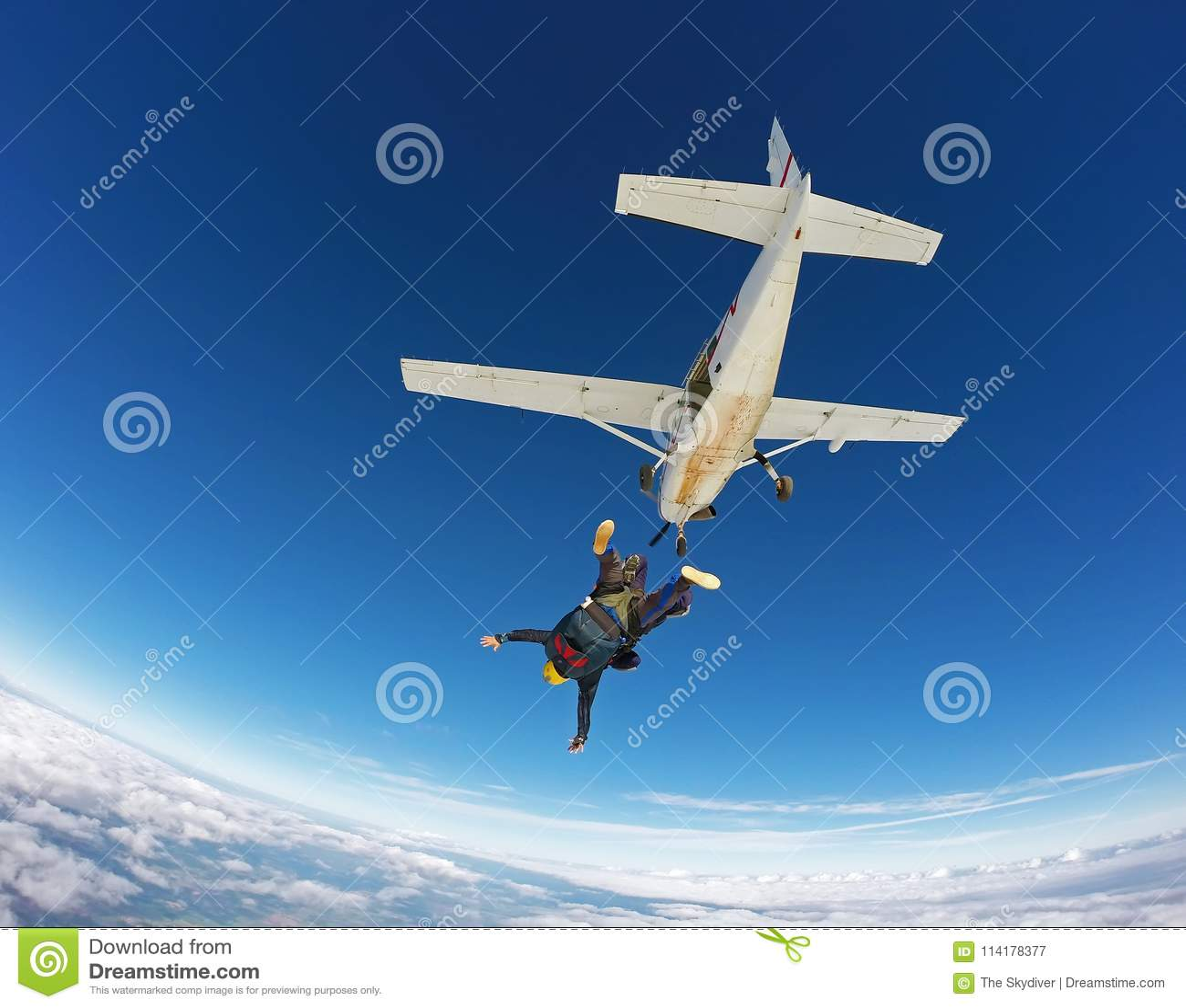 Lanciar in caduta liberasi salto in tandem