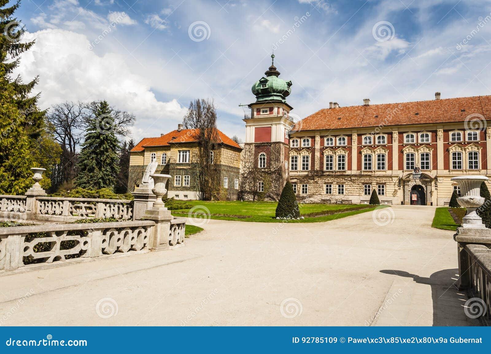 Lancut slott uppehållet av Pileckien, Lubomirskien och Potocen