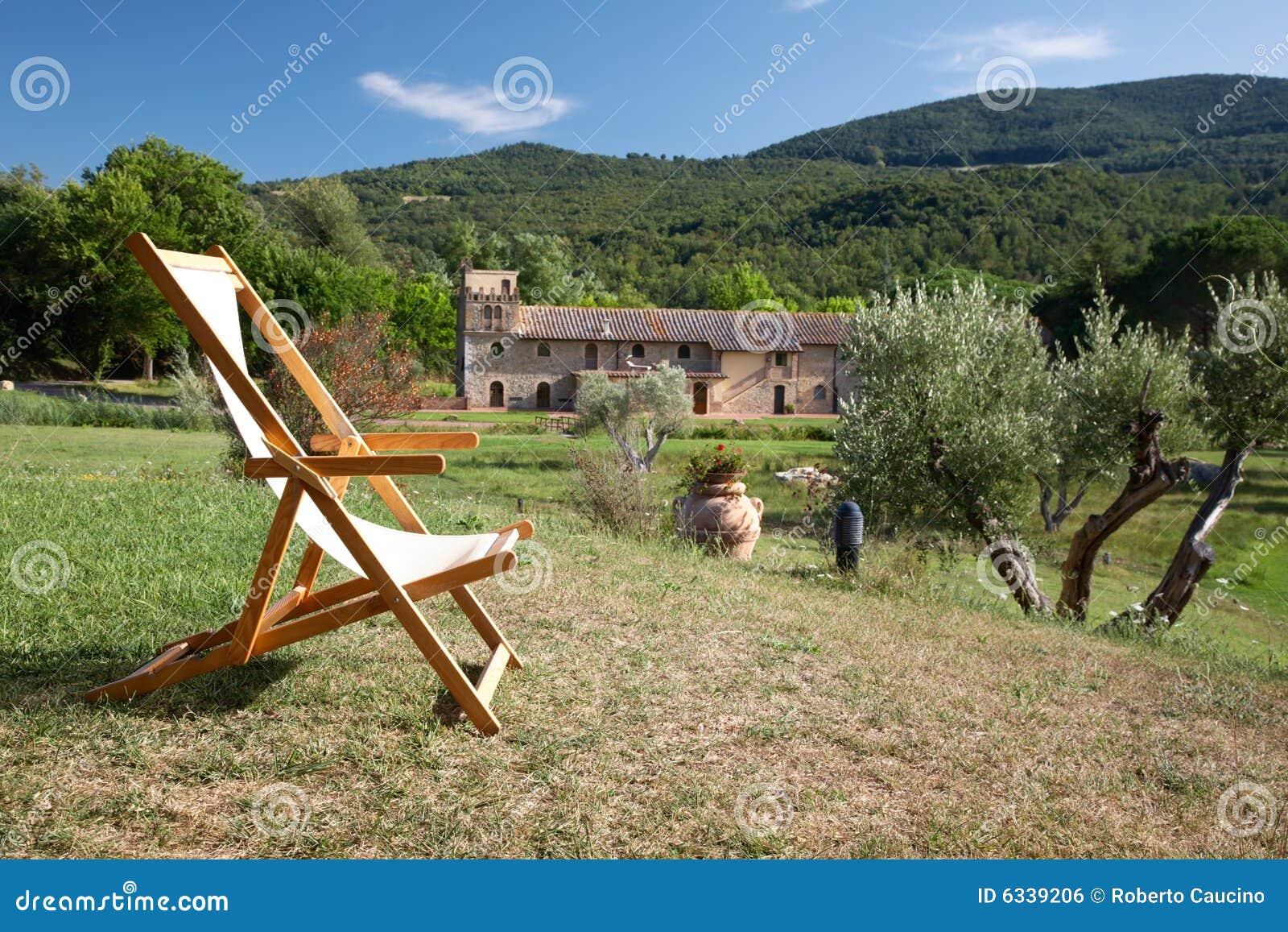 Download Land entspannen sich stockfoto. Bild von garten, toskaneres - 6339206