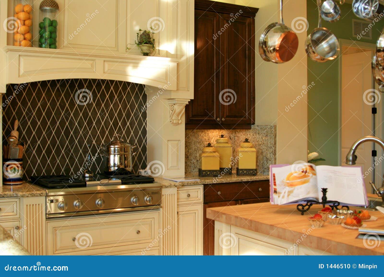 Land-Küche stockfoto. Bild von kanister, küche, vorstand - 1446510