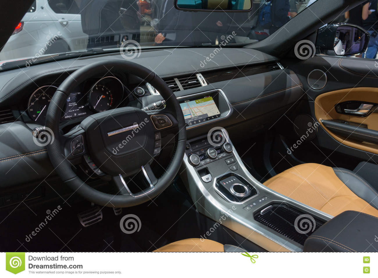 Download Land Rover Discovery Interior Editorial Photography   Image Of  Nature, Industry: 80832587