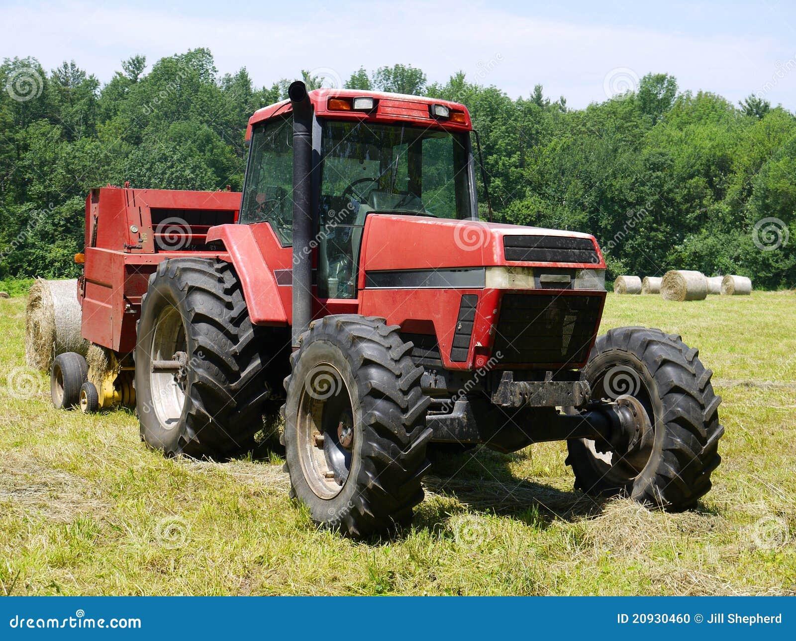Landbouwbedrijf: hooien tractor en pers