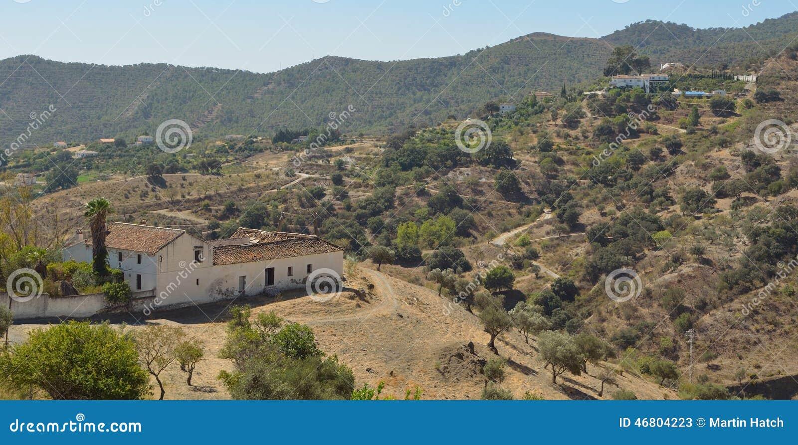 Landbouwbedrijven en Bergen rond Carratraca Andalucia Spanje