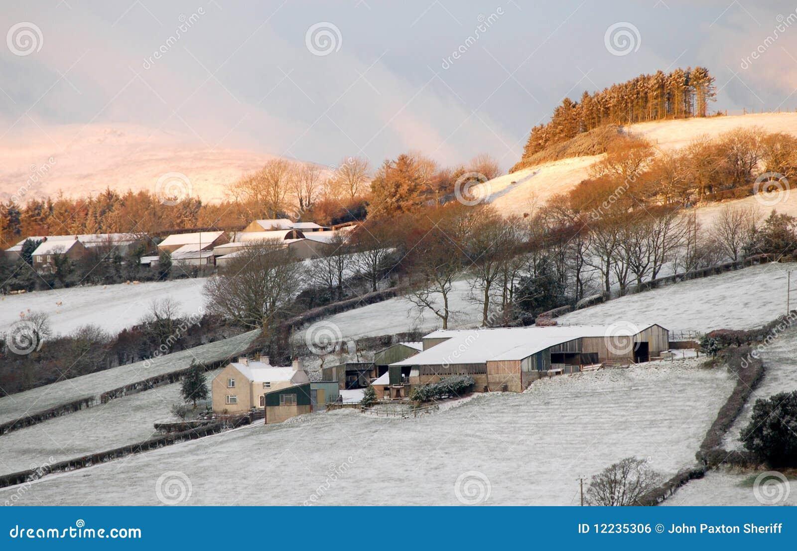 Landbouwbedrijven in sneeuw
