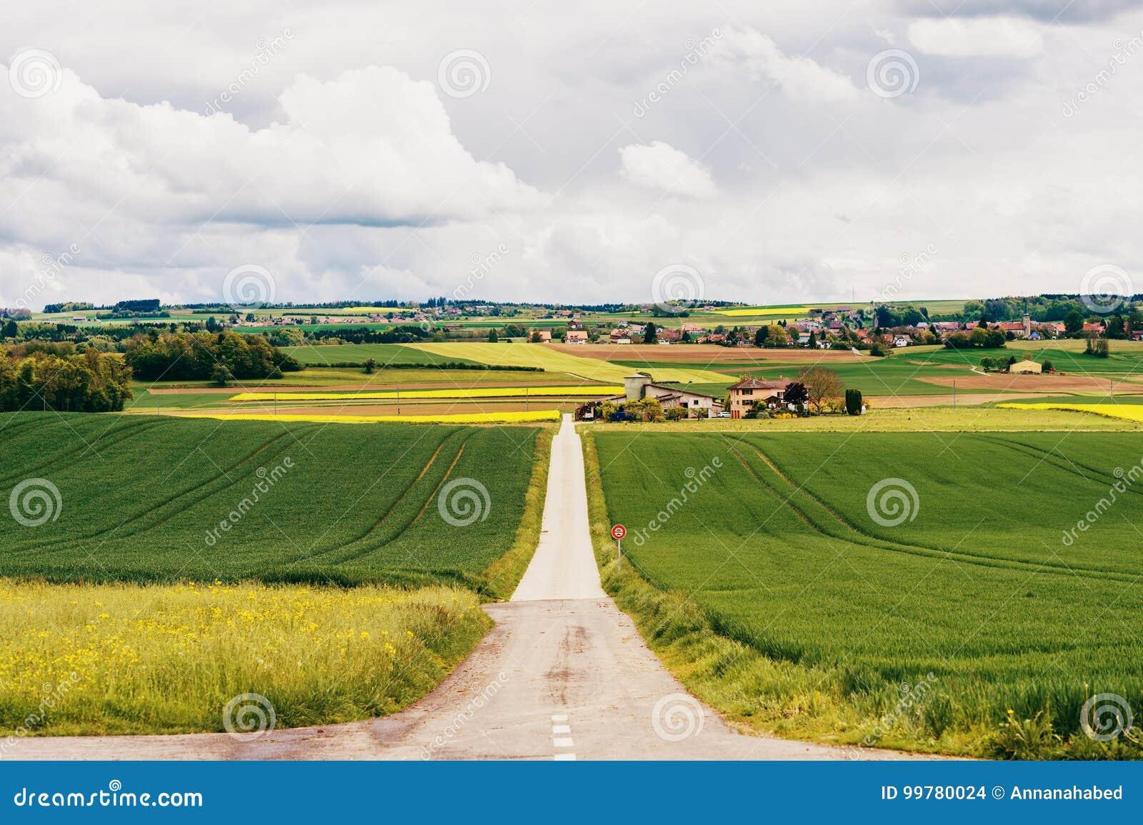 Landbouwgrond in de lente