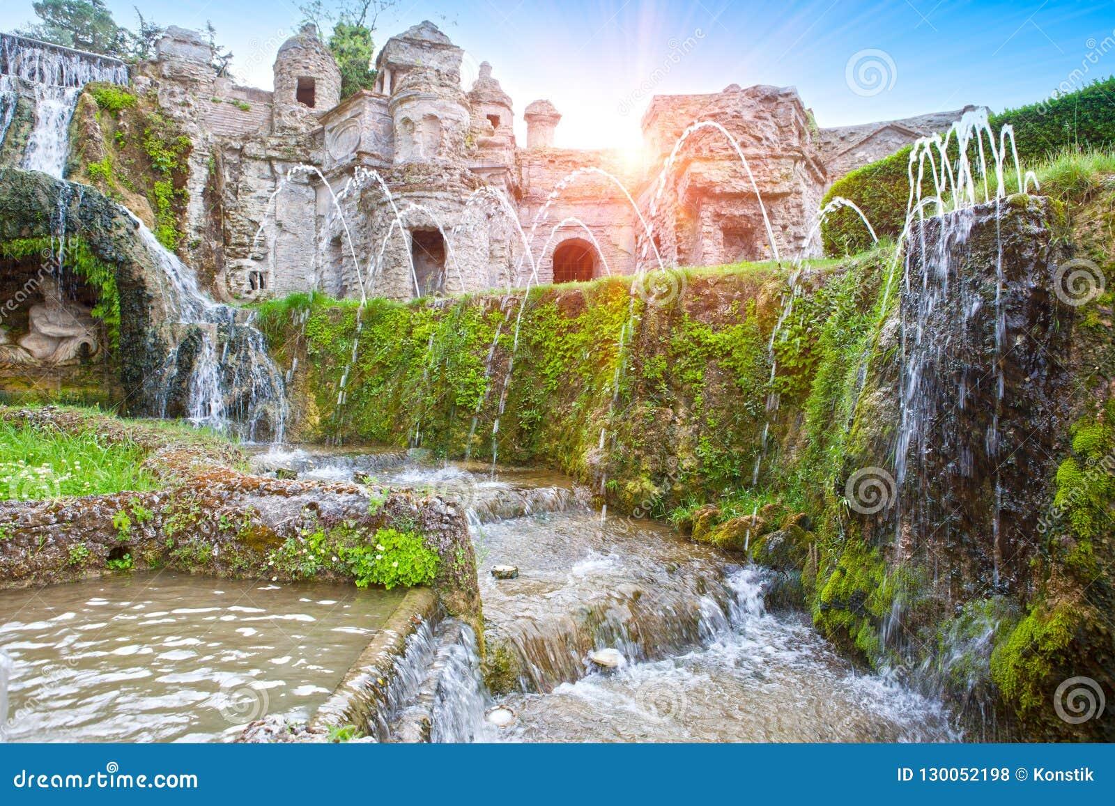 Landhaus d 'Este16th-century Brunnen und Garten, Tivoli, Italien Der meiste populäre Platz in Vietnam