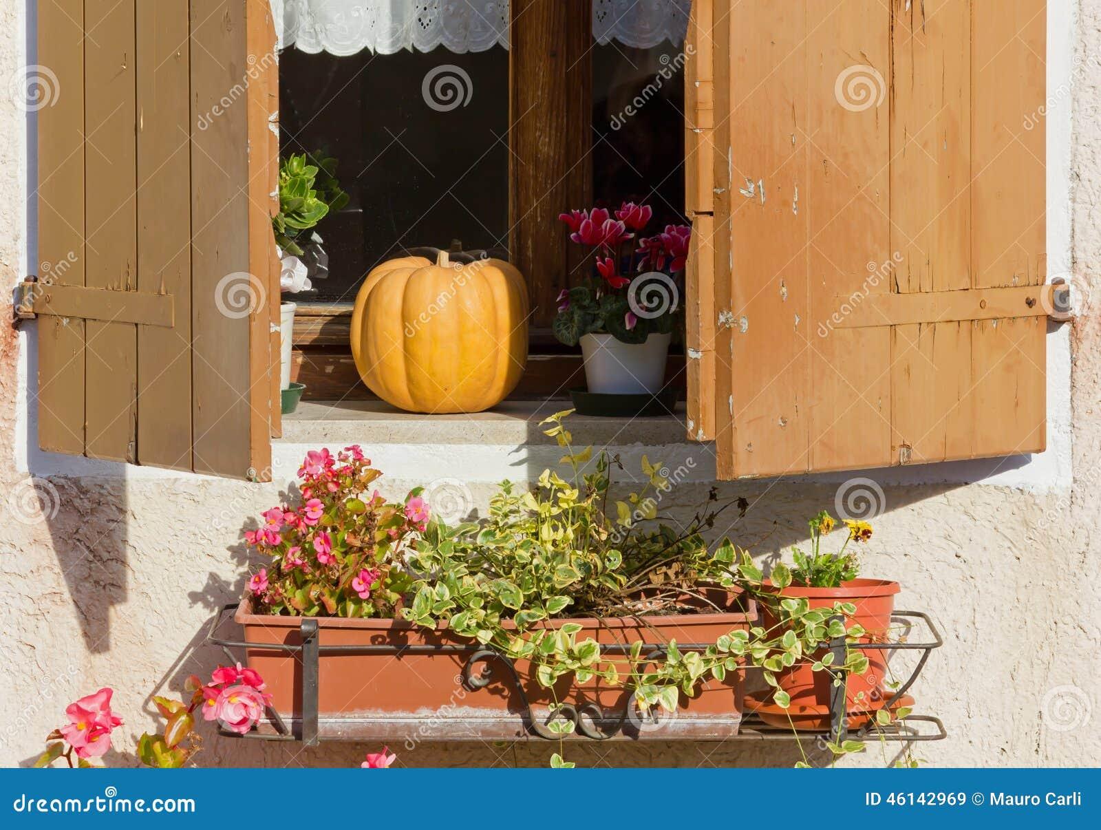 Landhaus Fenster Stockbild Bild Von Blendenverschluss 46142969