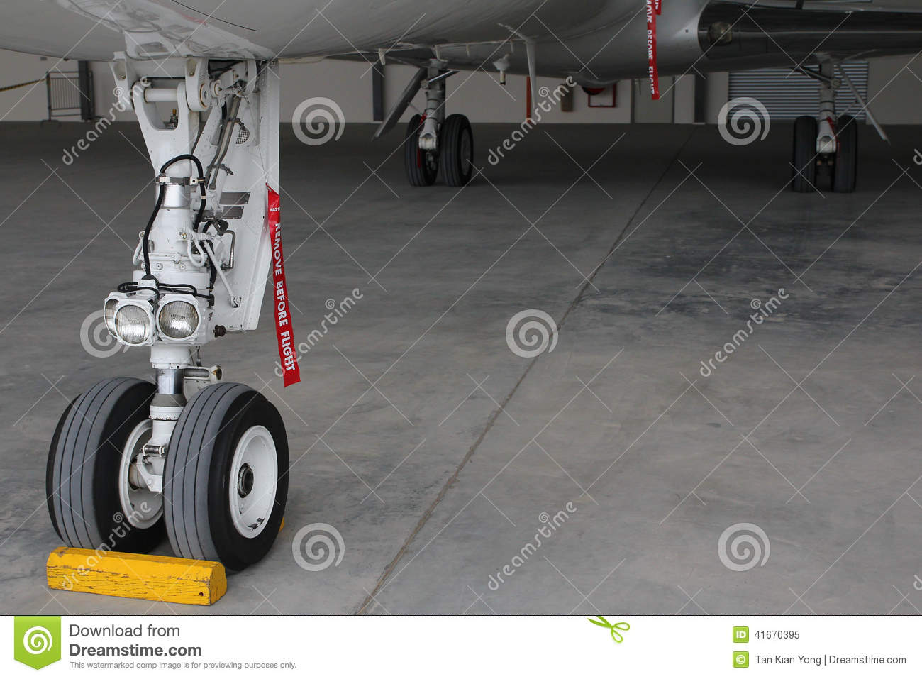 Landing gear of aircraft
