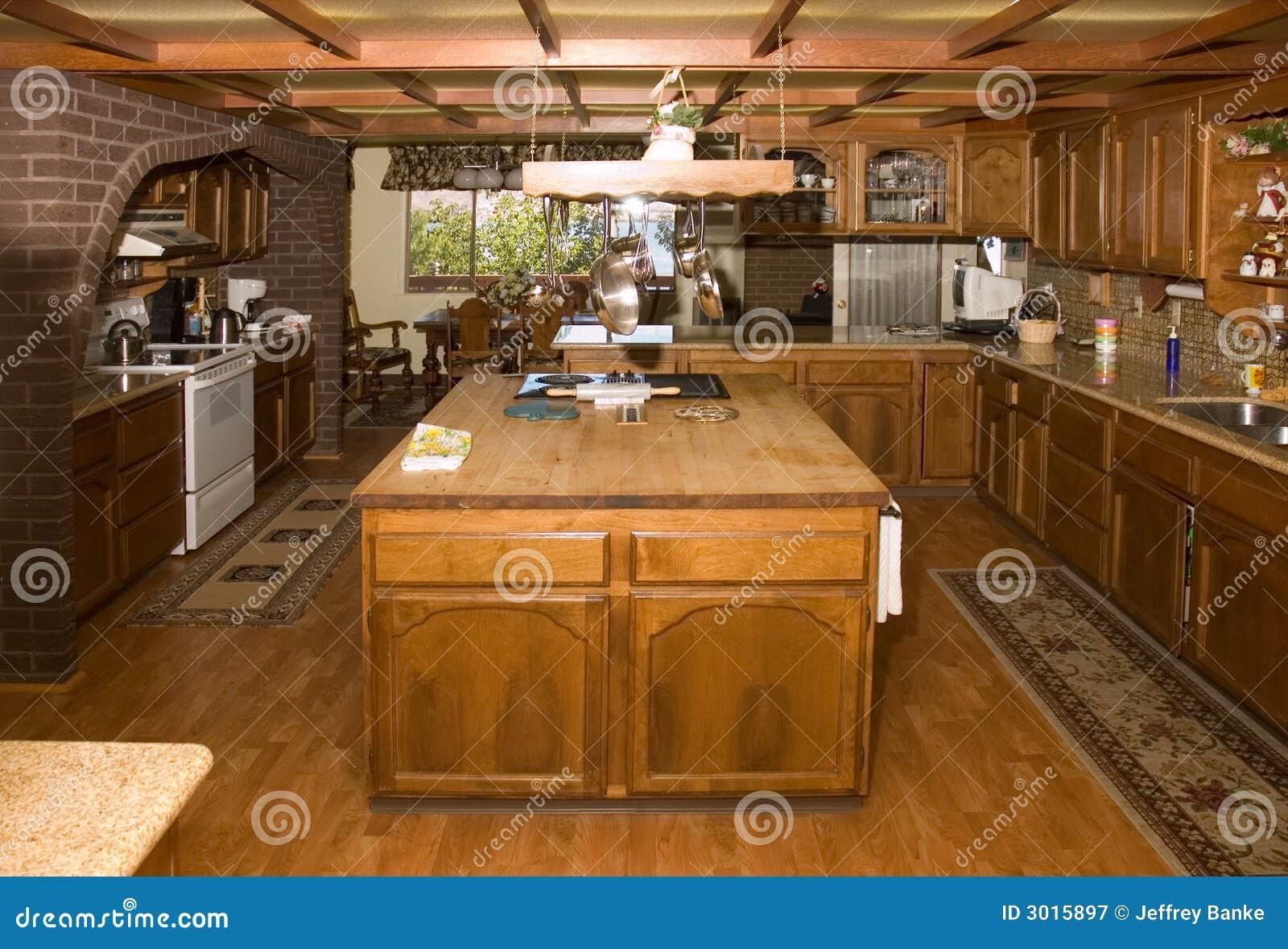 Landküche stockbild. Bild von schränke, granit, stab, blumen - 3015897