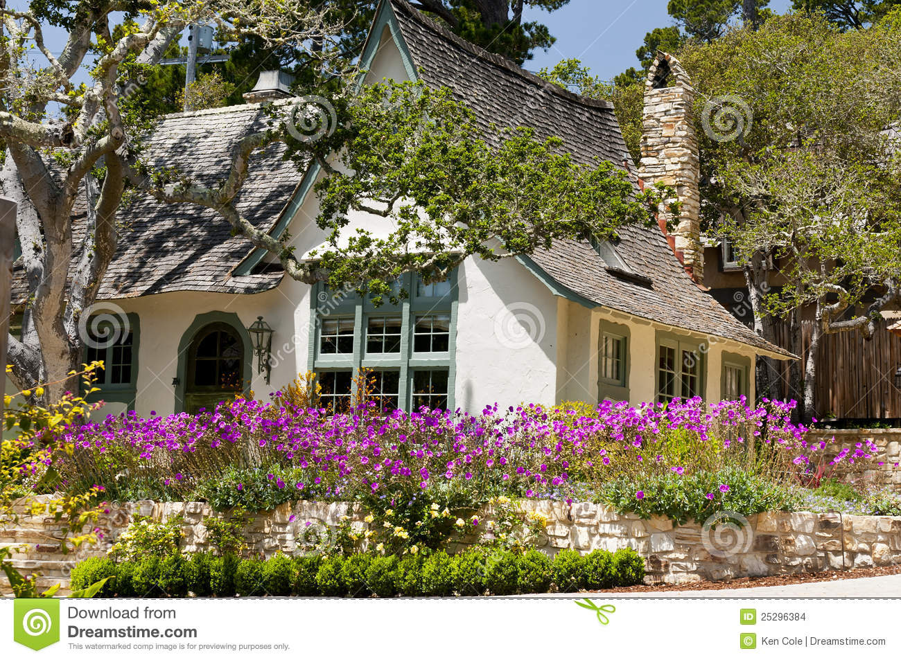 Landscape house flower garden stock photo image of for Classic house with flower garden