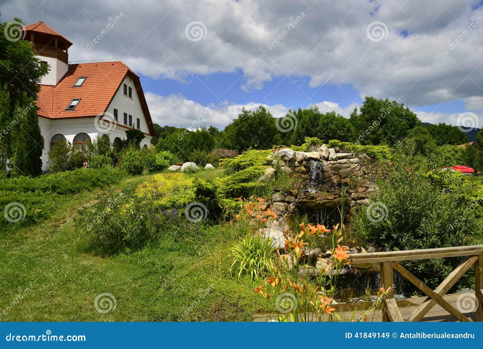 coltesti cozy garden house landscape ...