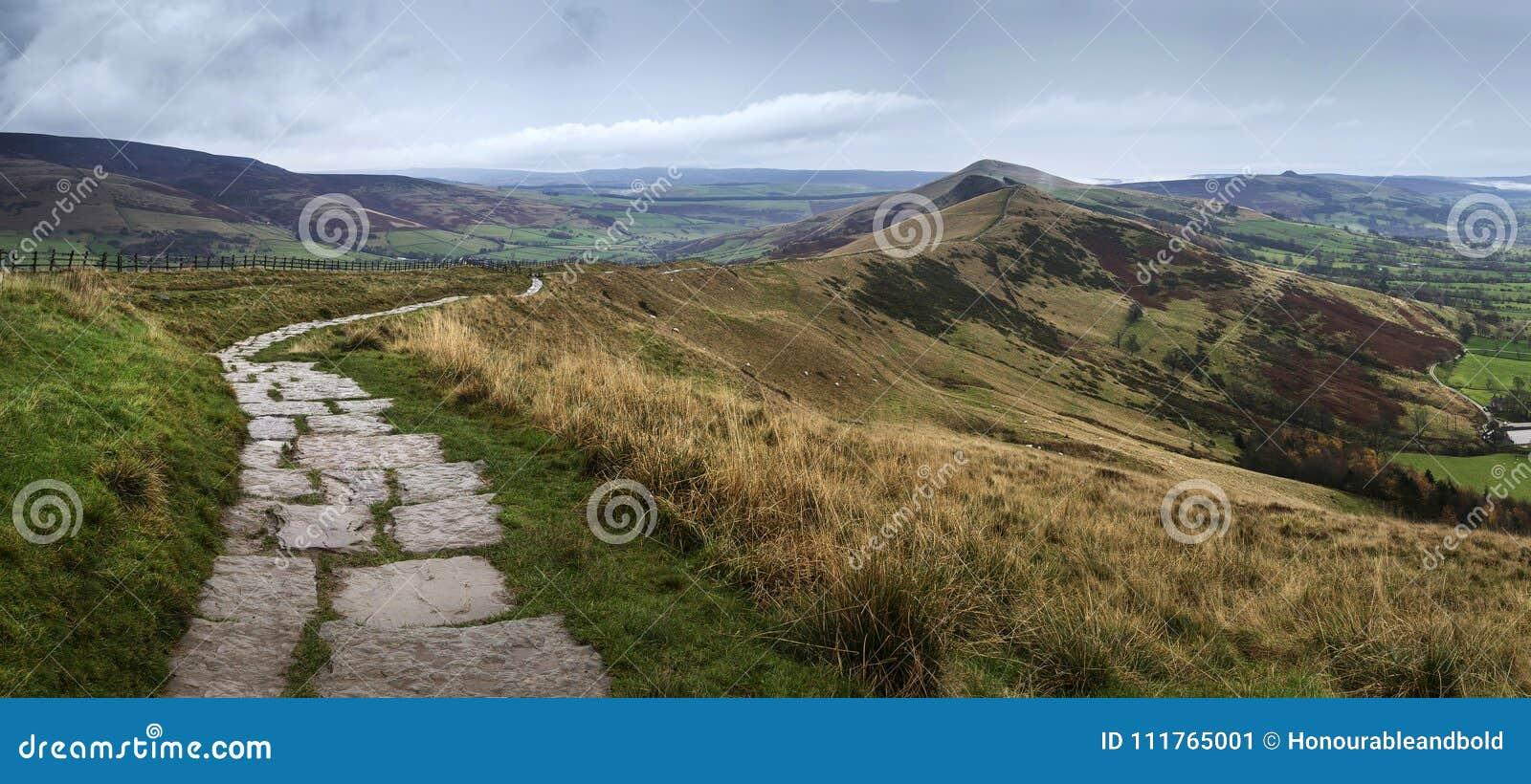 Beautiful landscape of Mam Tor and Lose Hill in Peak District du