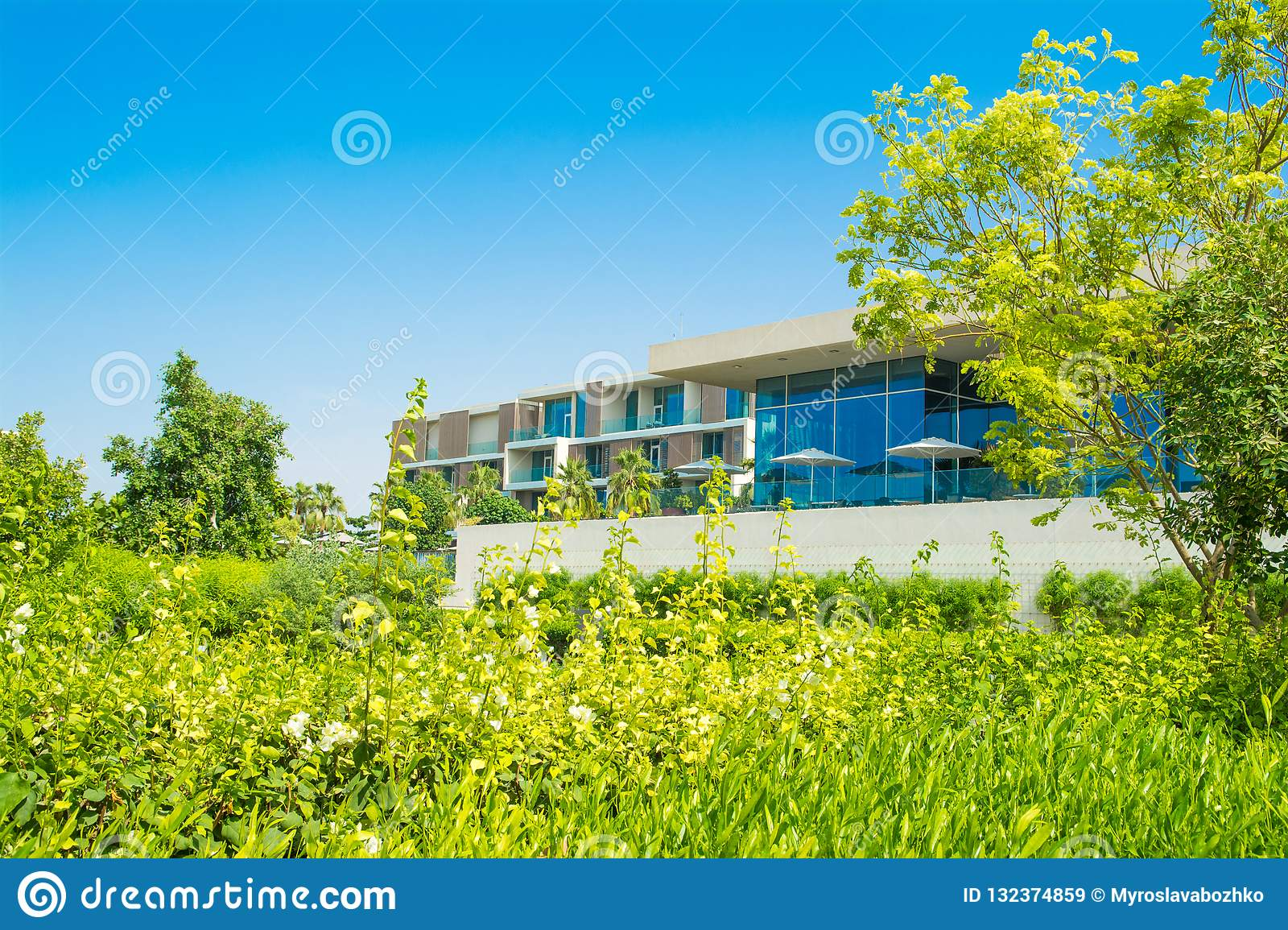 Landscape With Modern Design Restaurant Building Editorial Stock