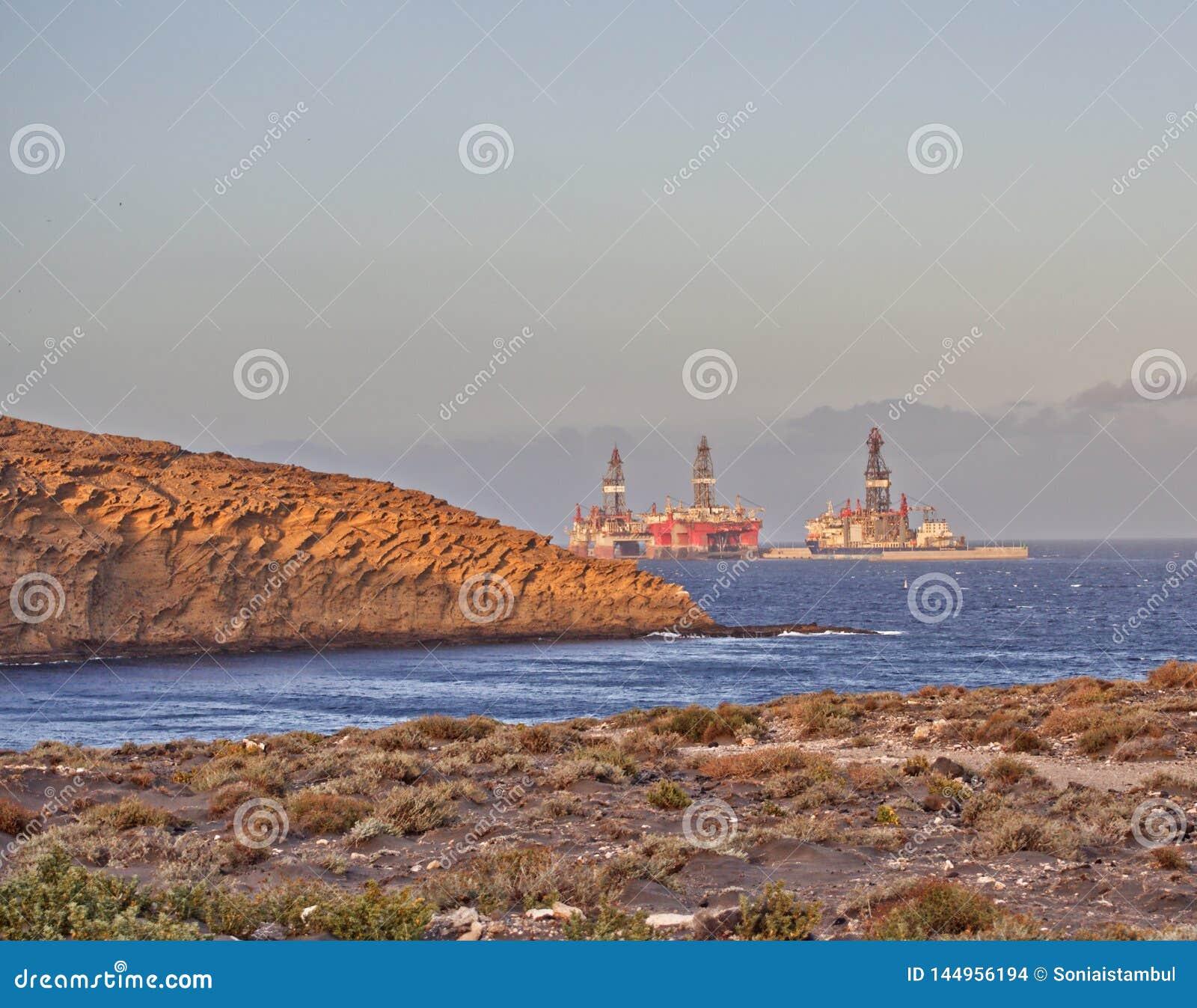 Oil platforms in Medano