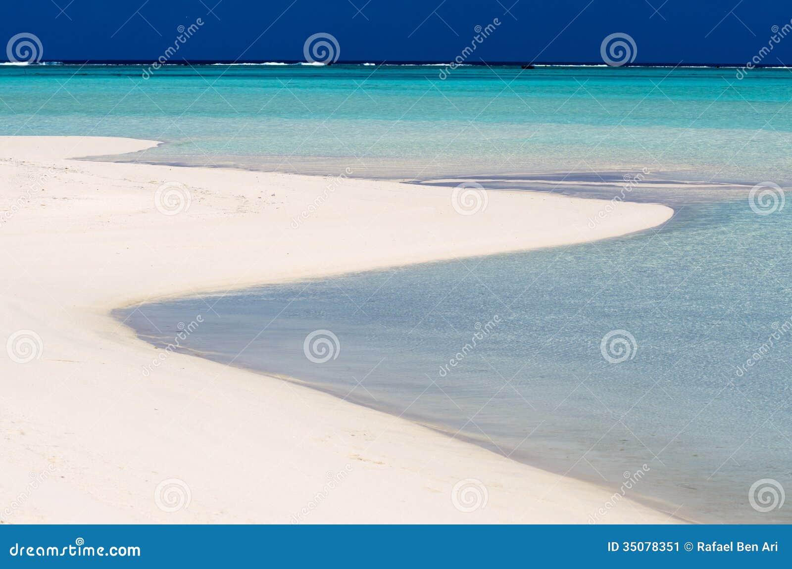 Cook Islands Nude