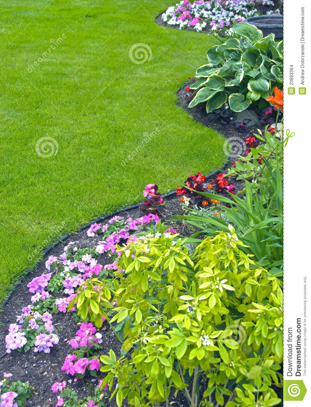 Marvelous Landscaped Yard And Garden