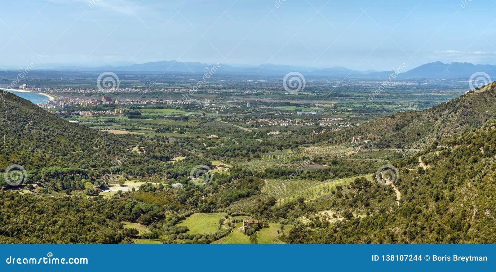 Landschaft im Bereich von Rosen, Spanien
