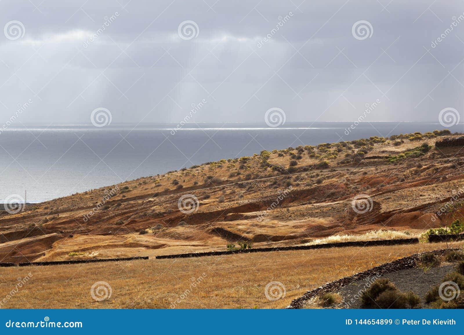 Landschaft mit Meer auf Lanzarote