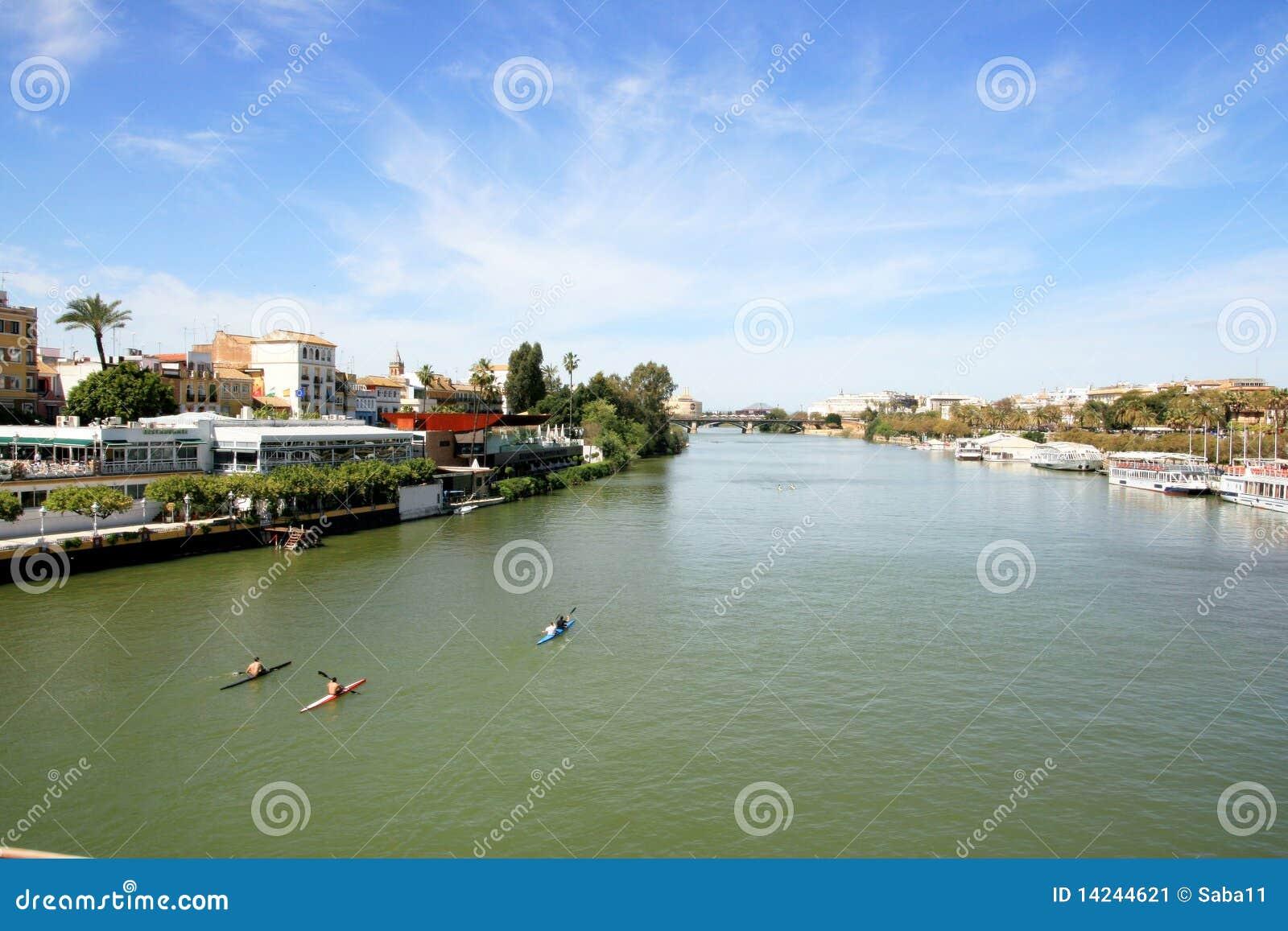 Landschaft Sevilla-, Guadalquivir-Fluss u. Gebäude