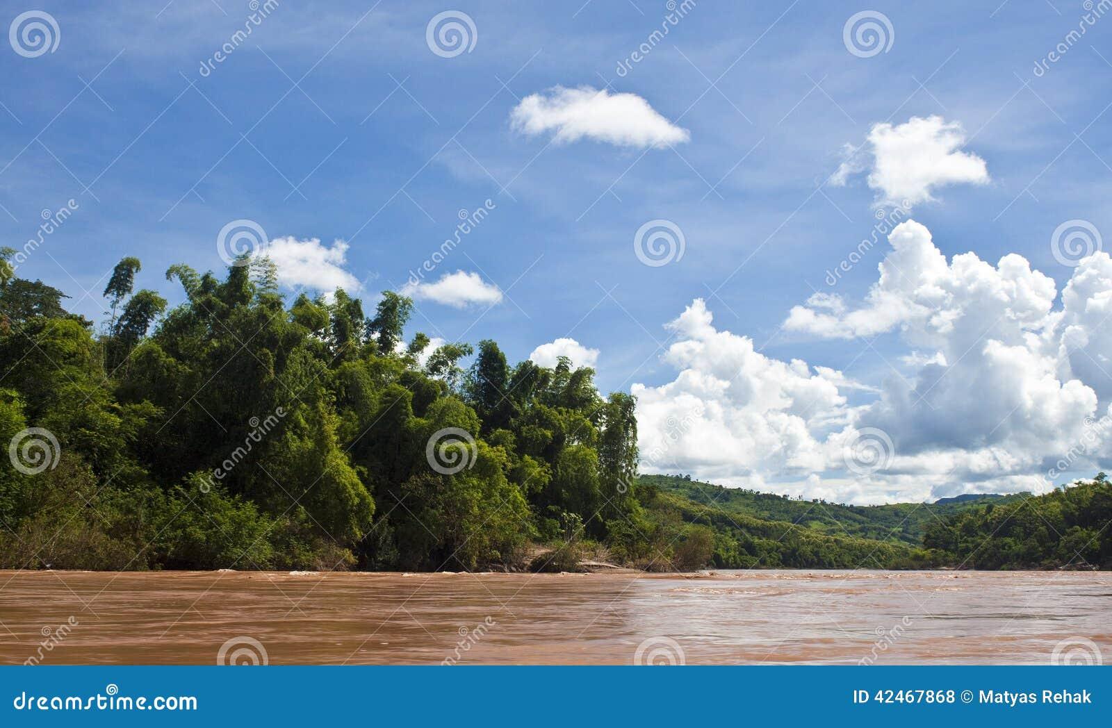 Landschaft um Nam Ou-Fluss