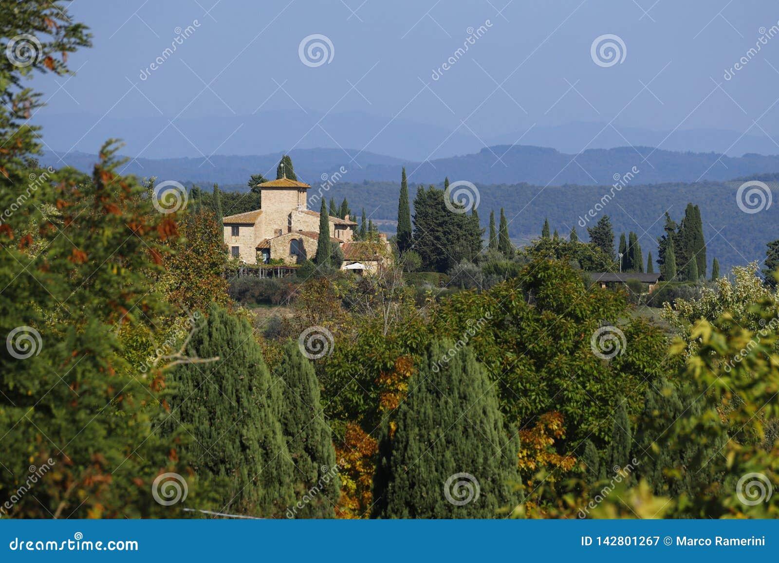 Landschaftsbild von Toskana im Herbst Die Hügel des Chiantis südlich