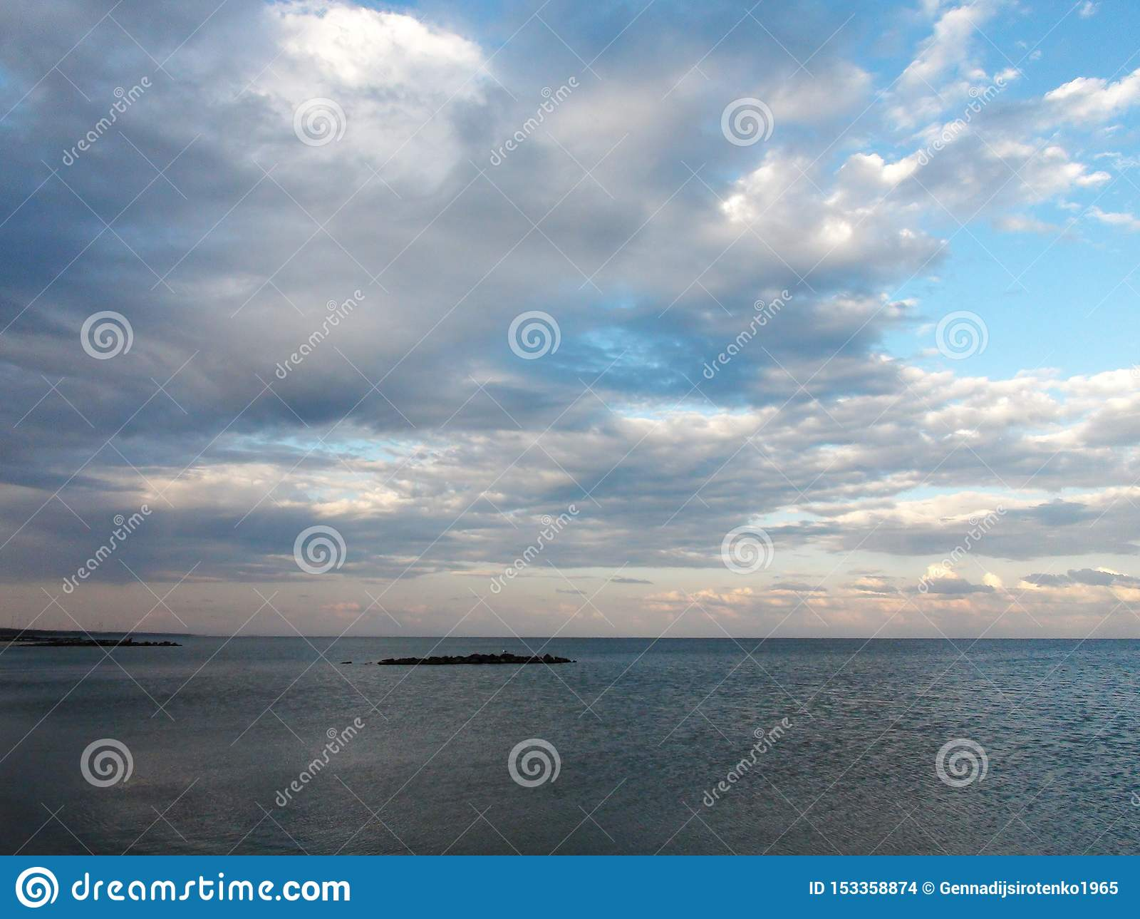 Landschappen van de flora van de Overzeese van Azov en overzeese avondlandschappen dichtbij de stad van Primorsk van het Zaporizh