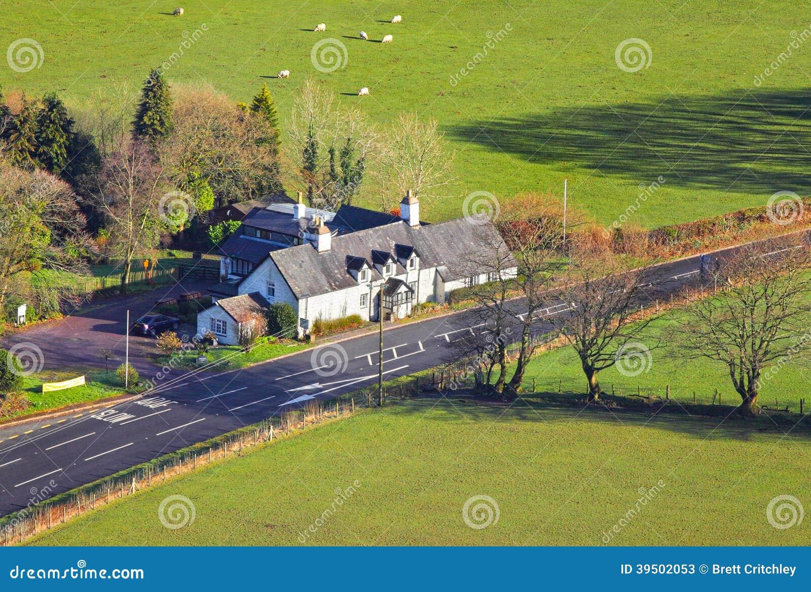 Landshotell- eller gästhusbyggnad