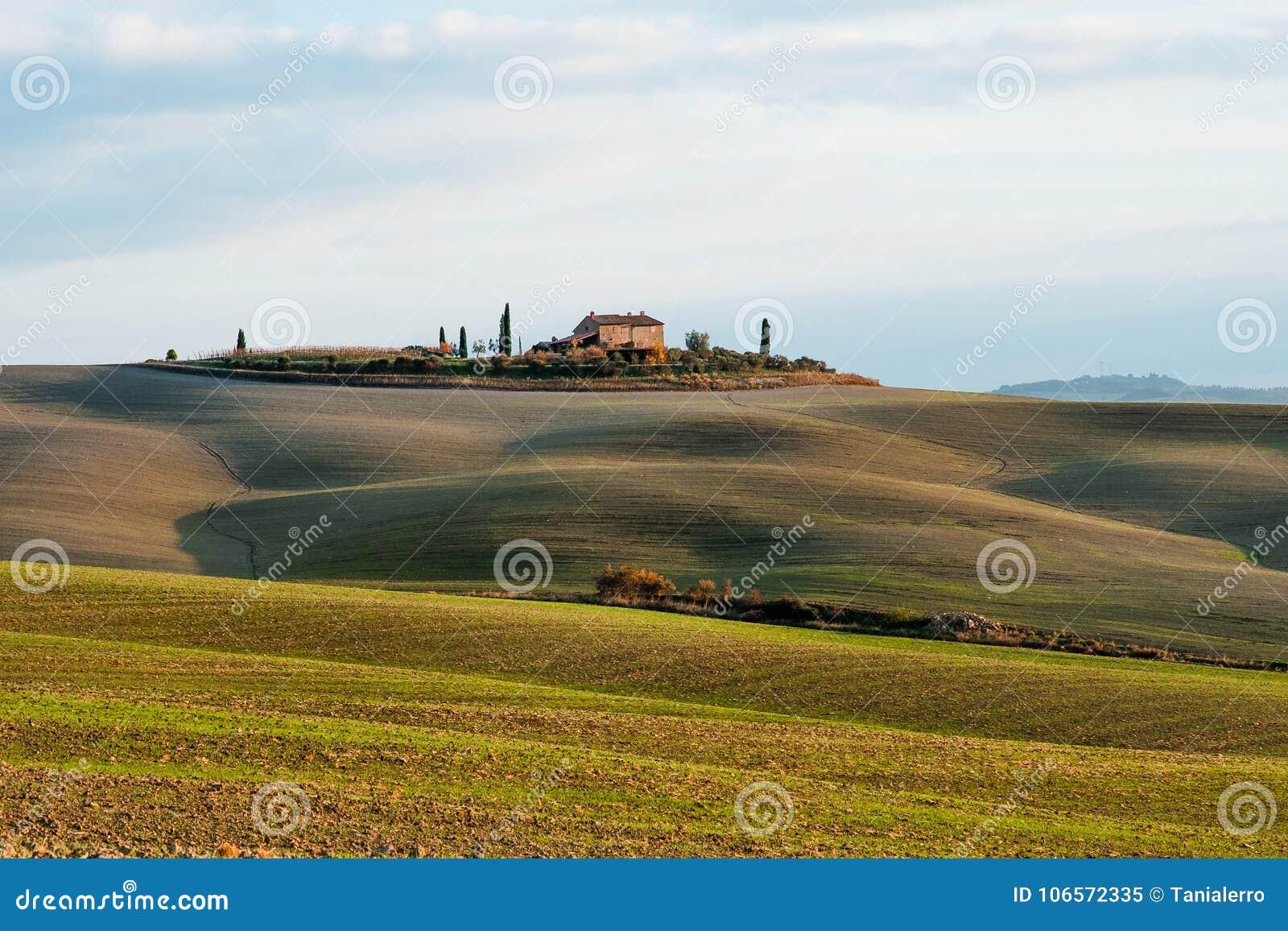Landskap av den Tuscany bygd- och Rolling Hills panoramautsikten, Italien