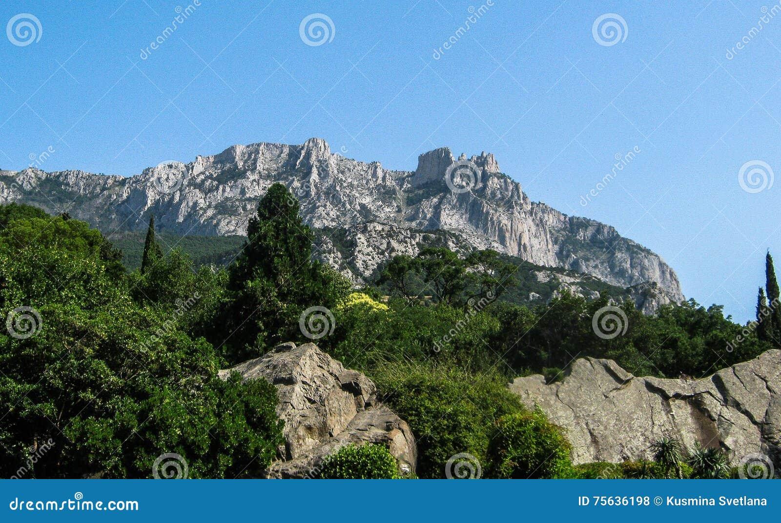 Landskap av kusten av Krimet