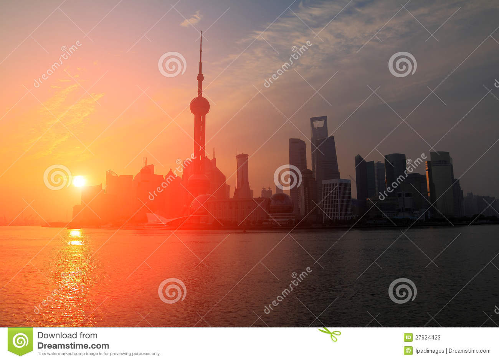 Landskap för gryningskybakgrund i Shanghaien