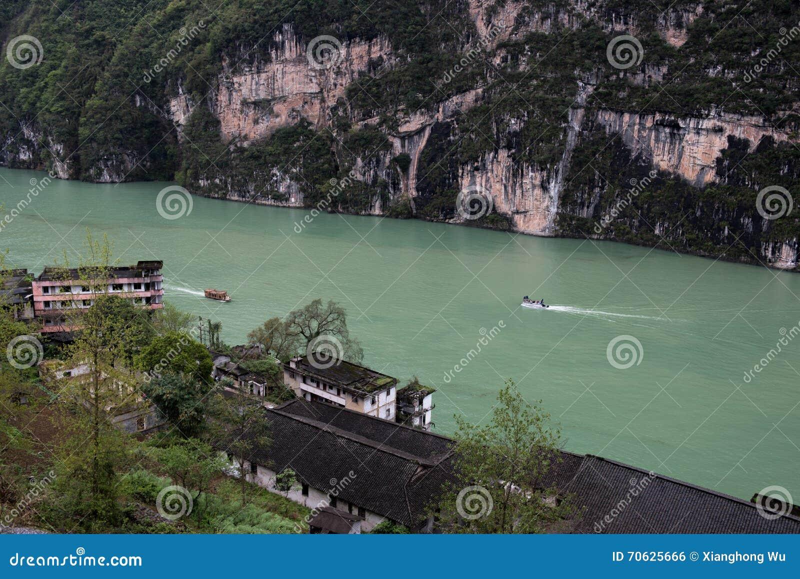 Landskap i den Wu flodklyftan