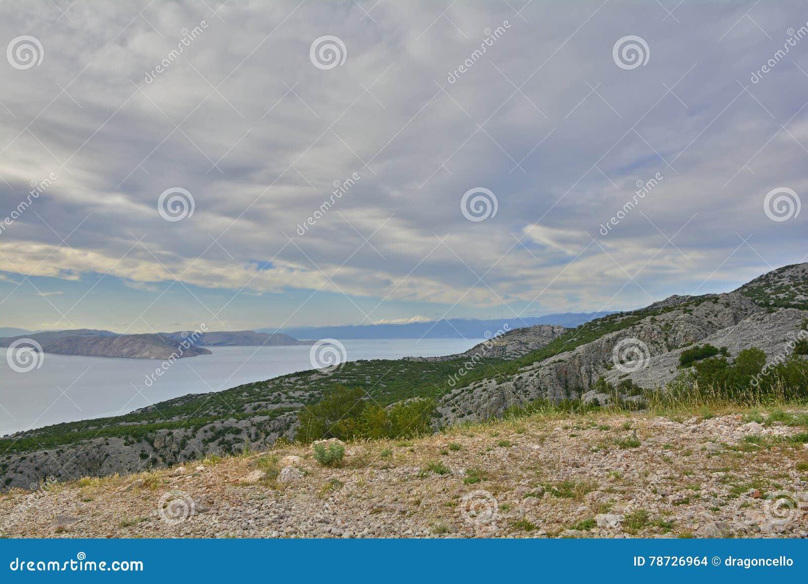 Landskap nära Karlobag