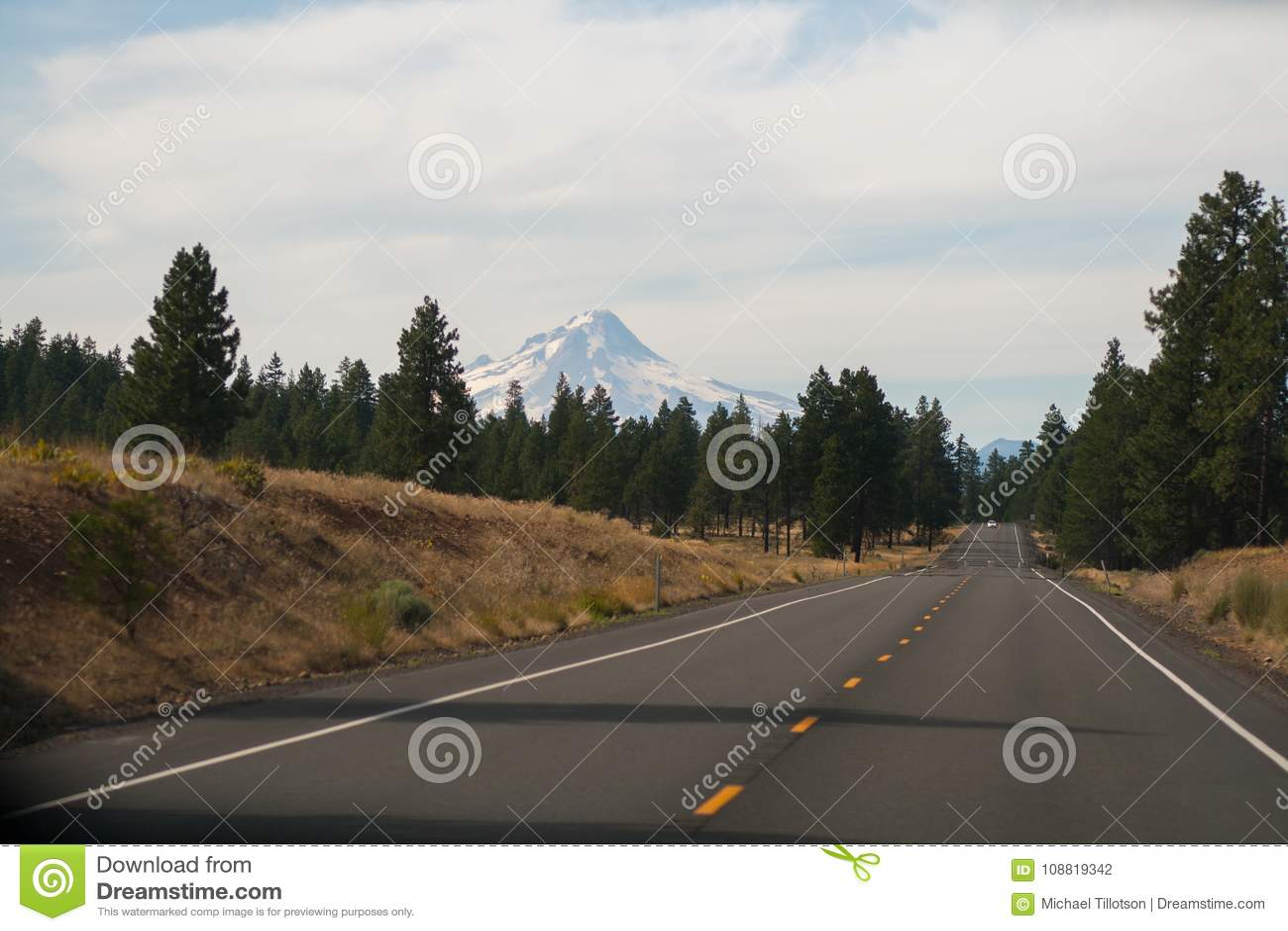 Landstraße zu Mt Haube, Oregon