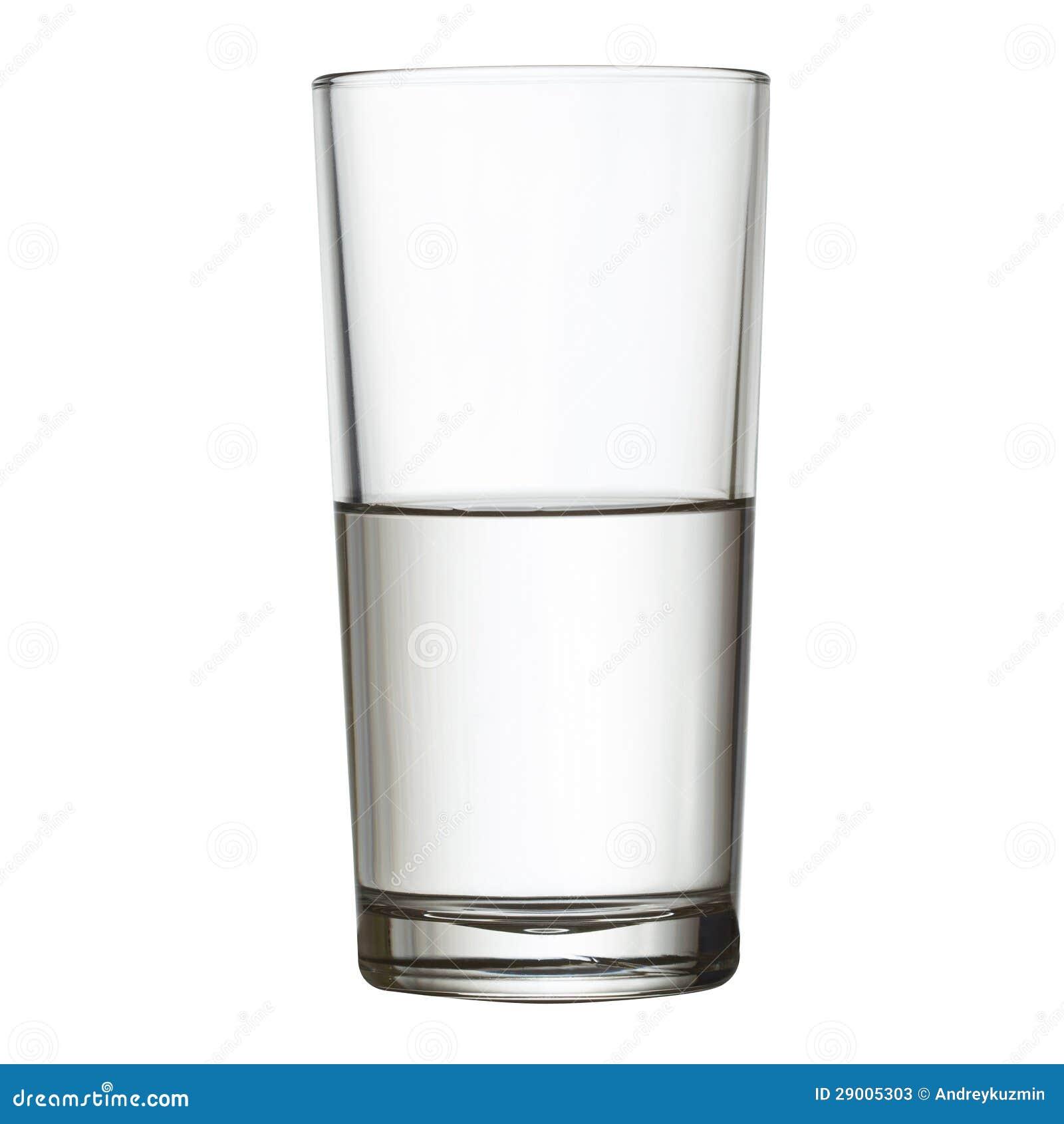 Lang half volledig glas van water w het knippen weg