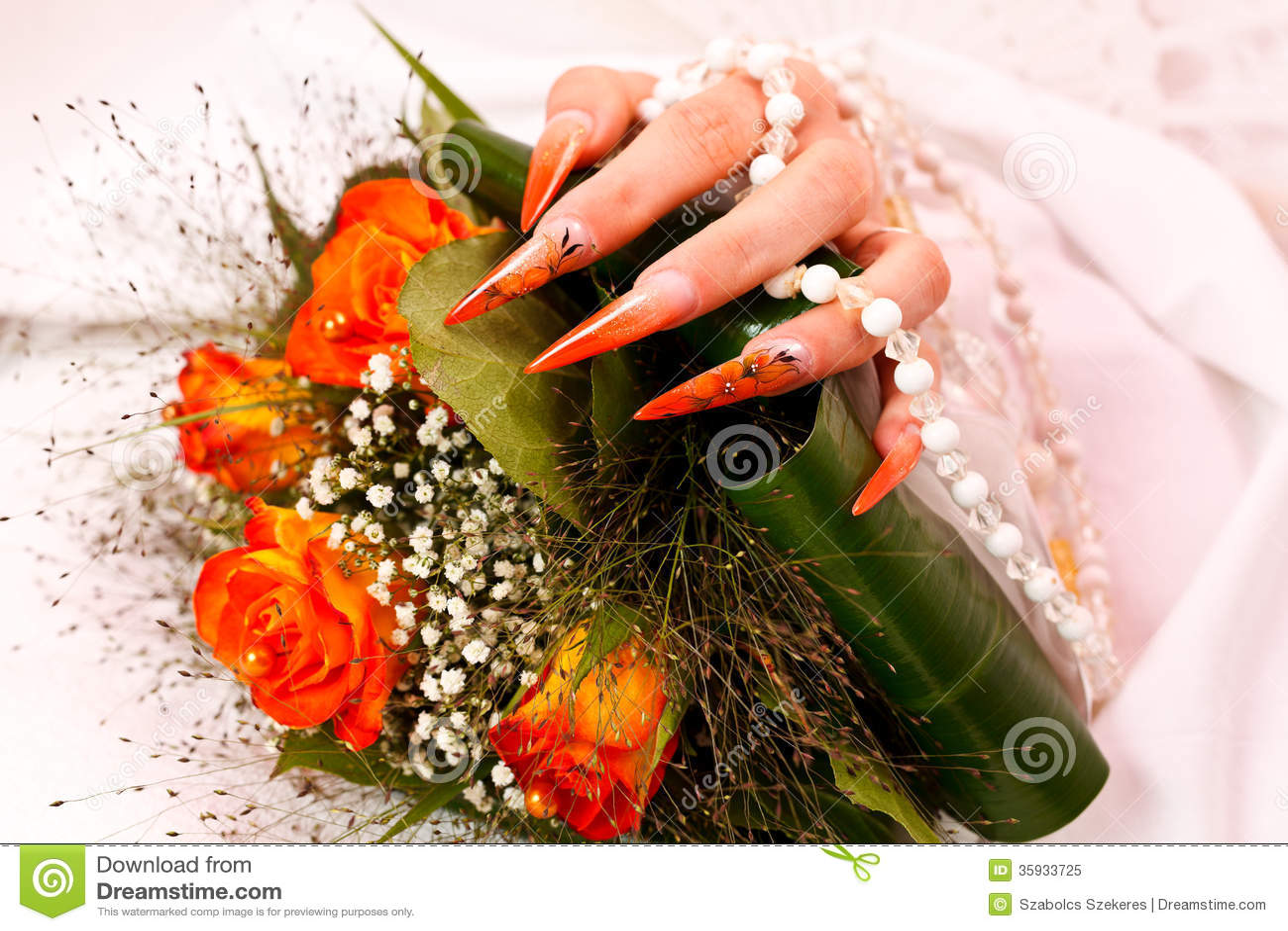 Lange Orange Kunstliche Brautnagel Stockbild Bild Von Juwel Korne
