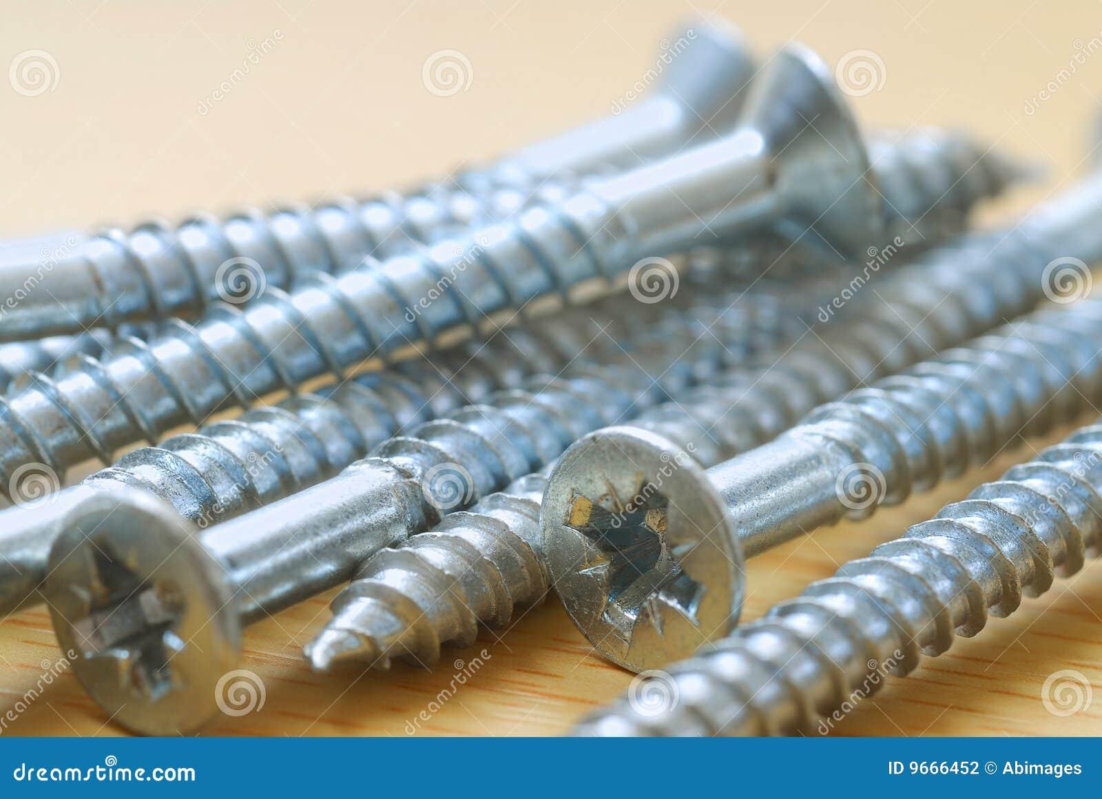 Lange Schrauben stockfoto. Bild von metall, sich, zimmerei - 9666452
