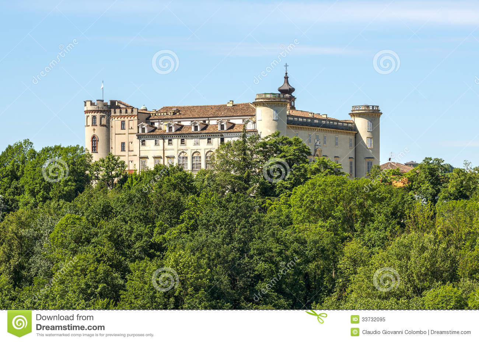 Langhe (Пьемонт), замок