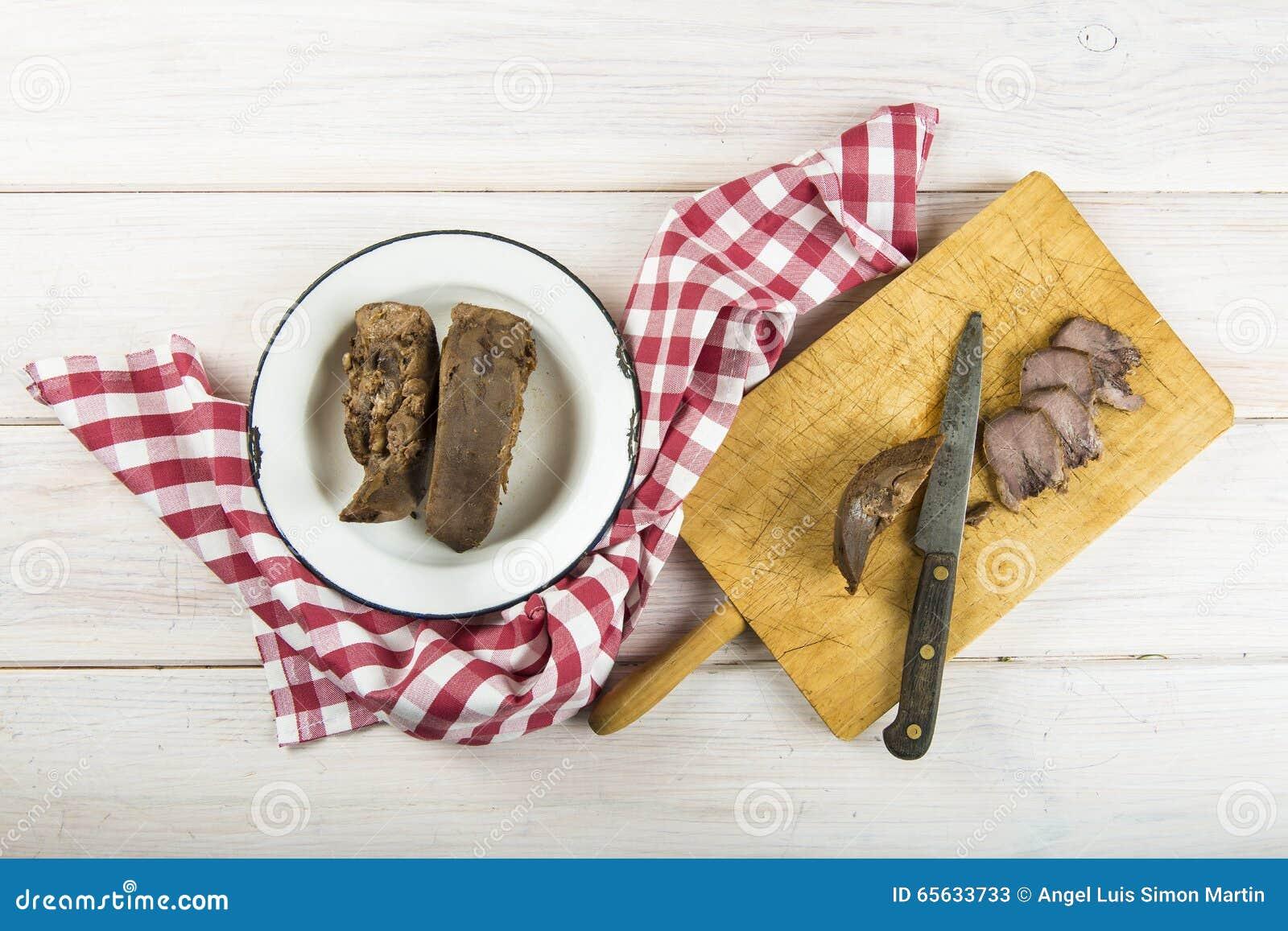 Langue bouillie de porc