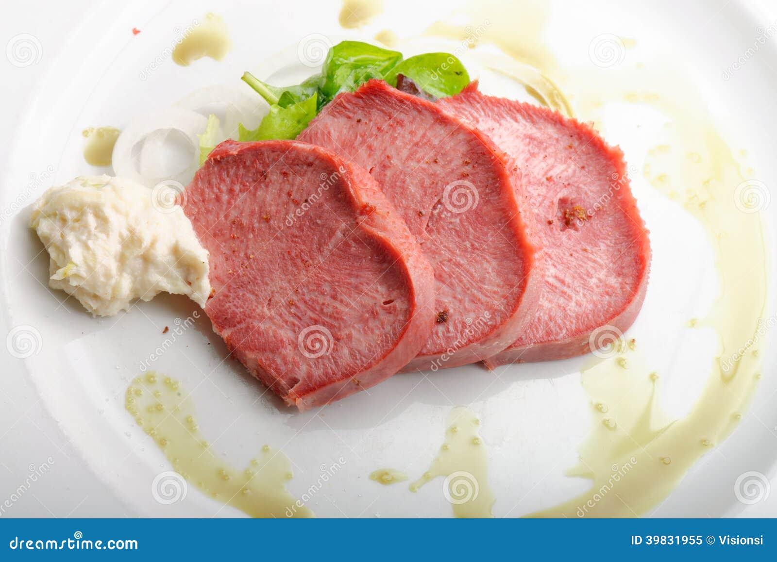 Langue de boeuf fum e avec le raifort photo stock image - Cuisiner langue de boeuf ...