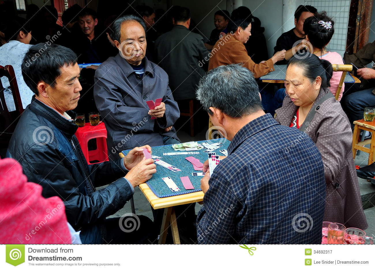 how to play chinese card game