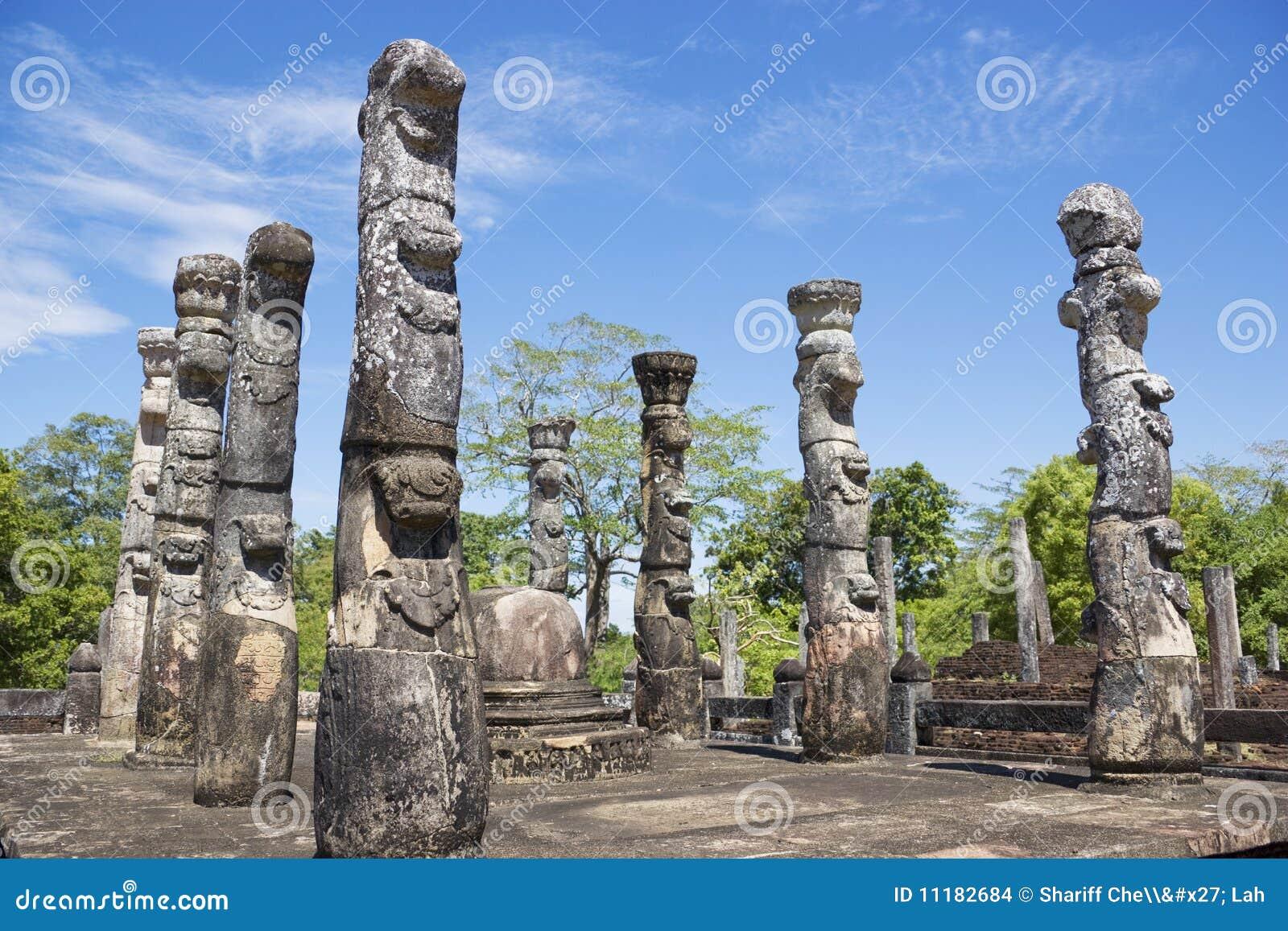 Lanka mandapa nissankalata polonnaruwa sri