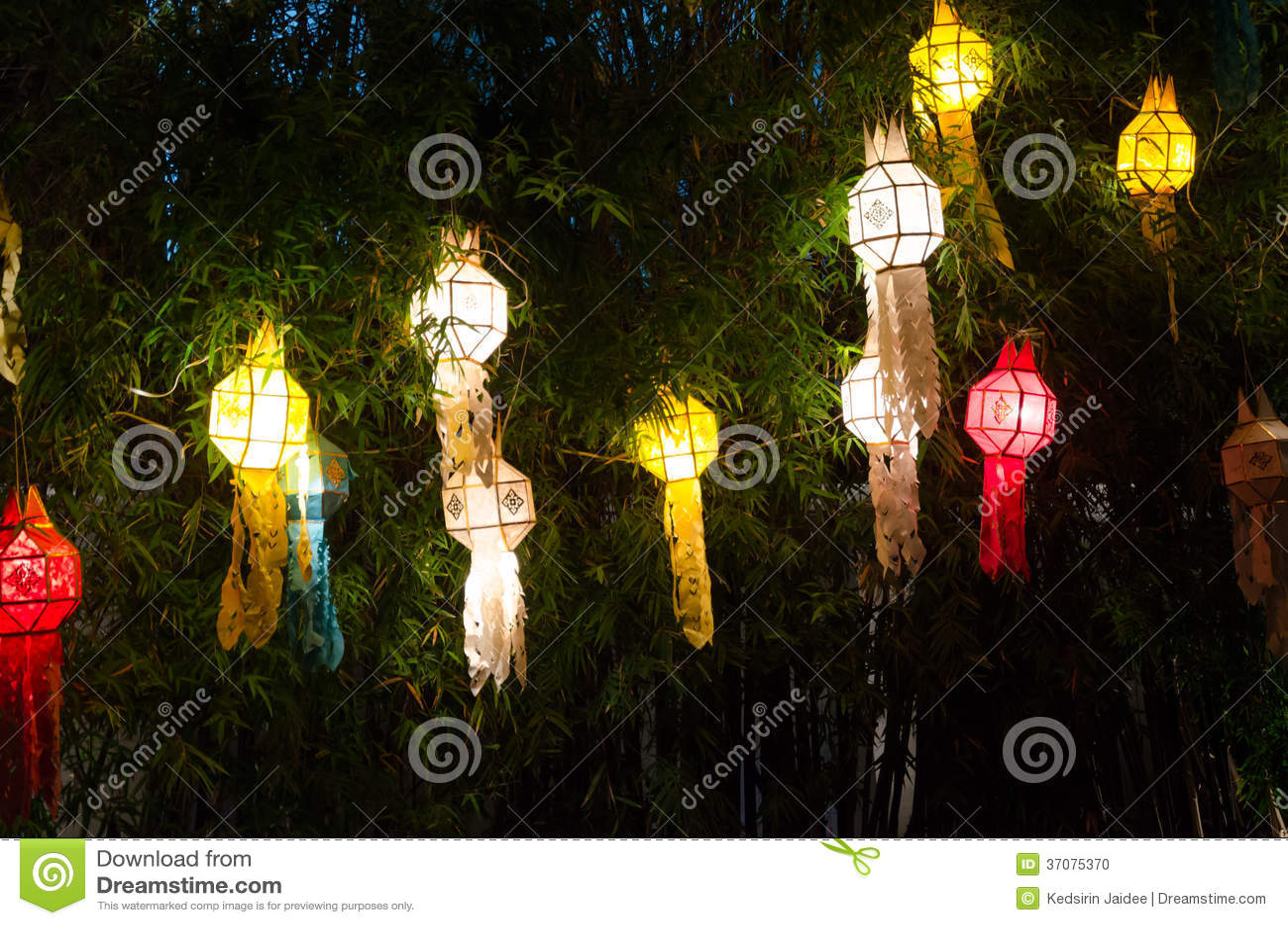 Download Lanna Lampiony, Tajlandzki Styl Lampiony Przy Loi Krathong Festiwalem Ja Zdjęcie Stock - Obraz złożonej z piękny, arte: 37075370