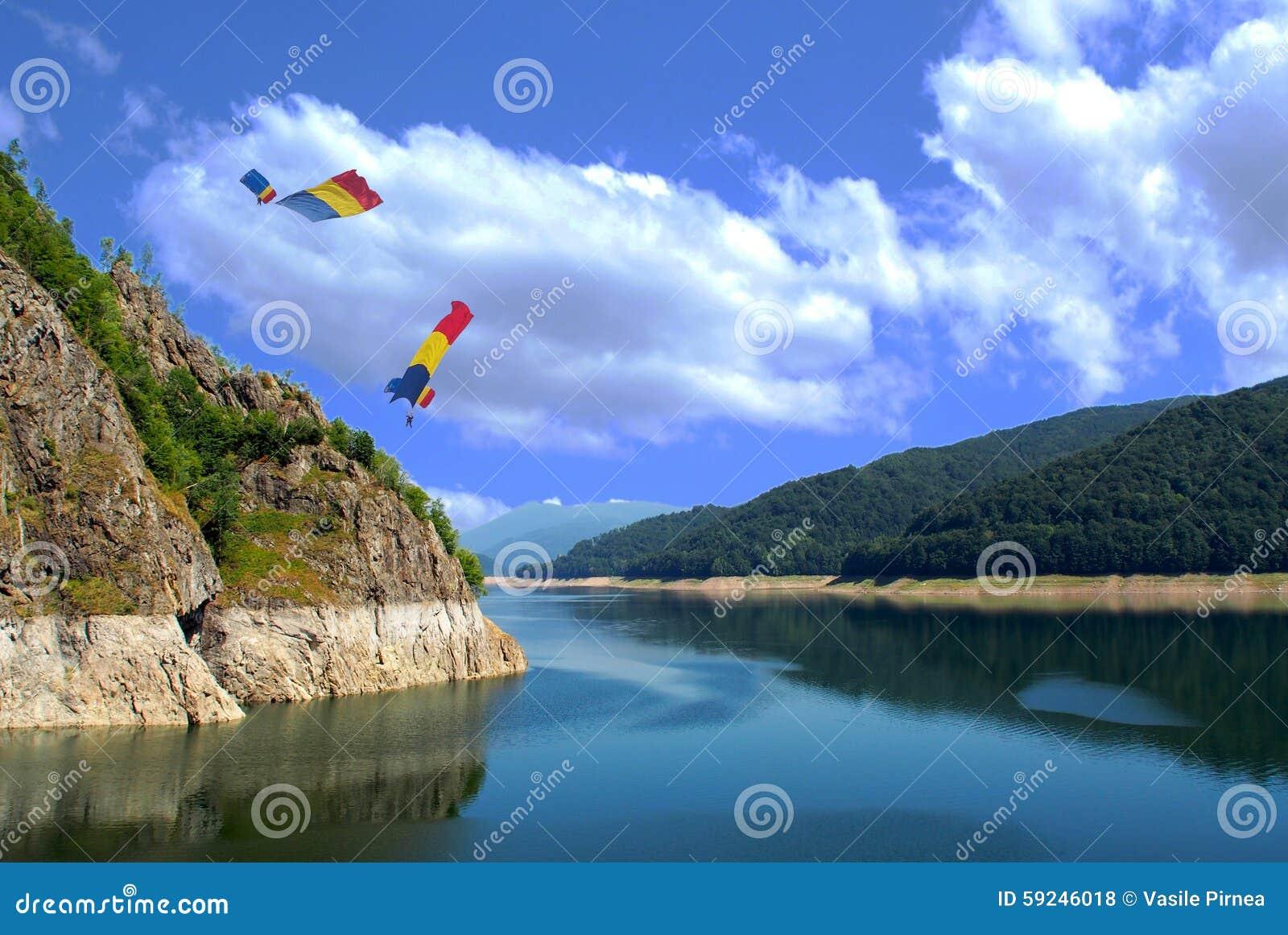 Download Lanscape foto de archivo. Imagen de abajo, falling, lanzamiento - 59246018