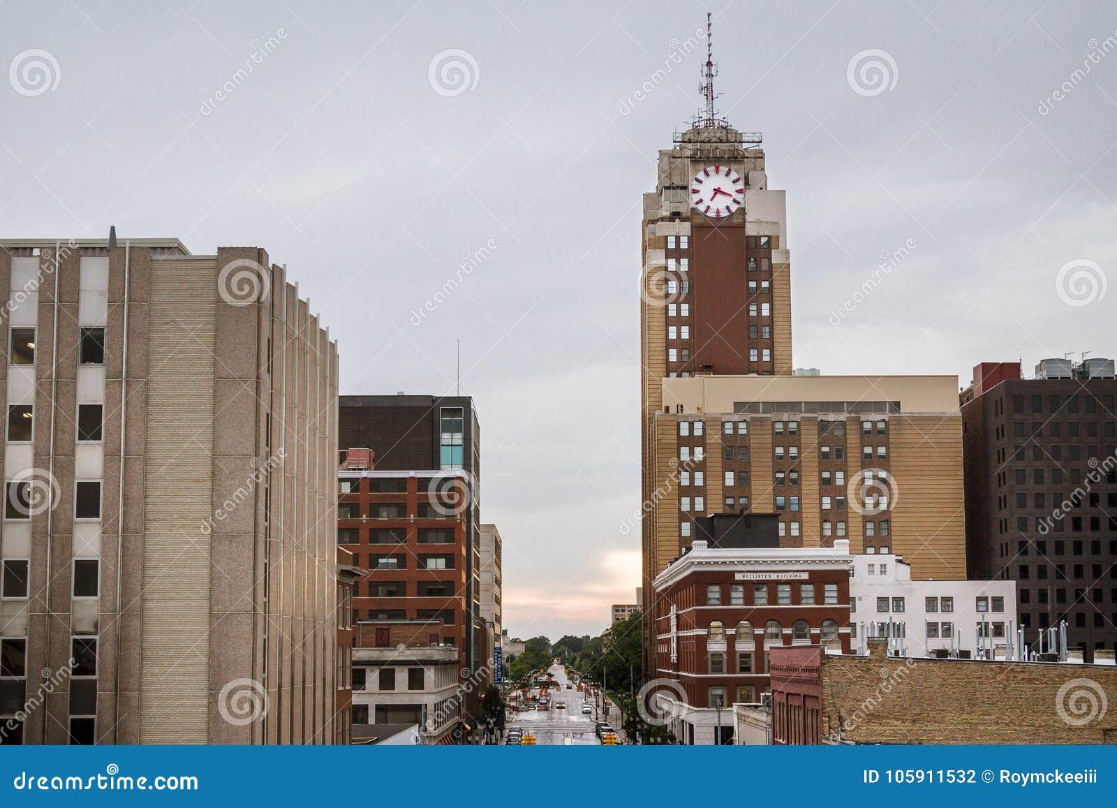 Lansing Michigan Cityscape på en regnig dag
