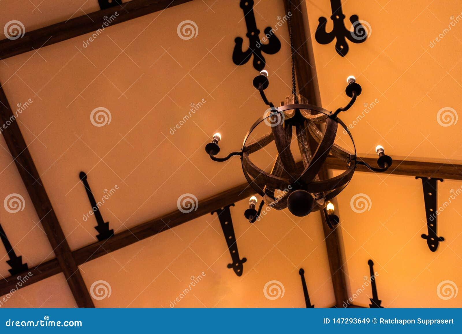 Lanterna della candela con la decorazione d annata