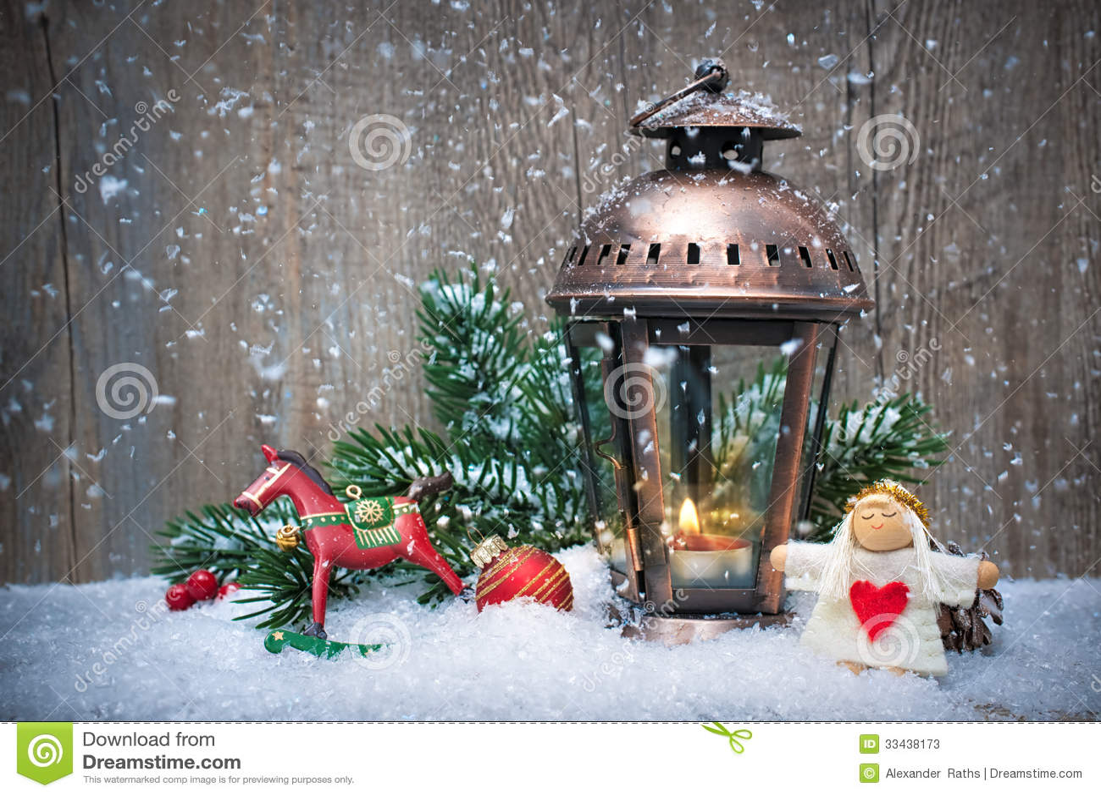 Lanterna Di Natale Nella Neve Immagine Stock Immagine Di