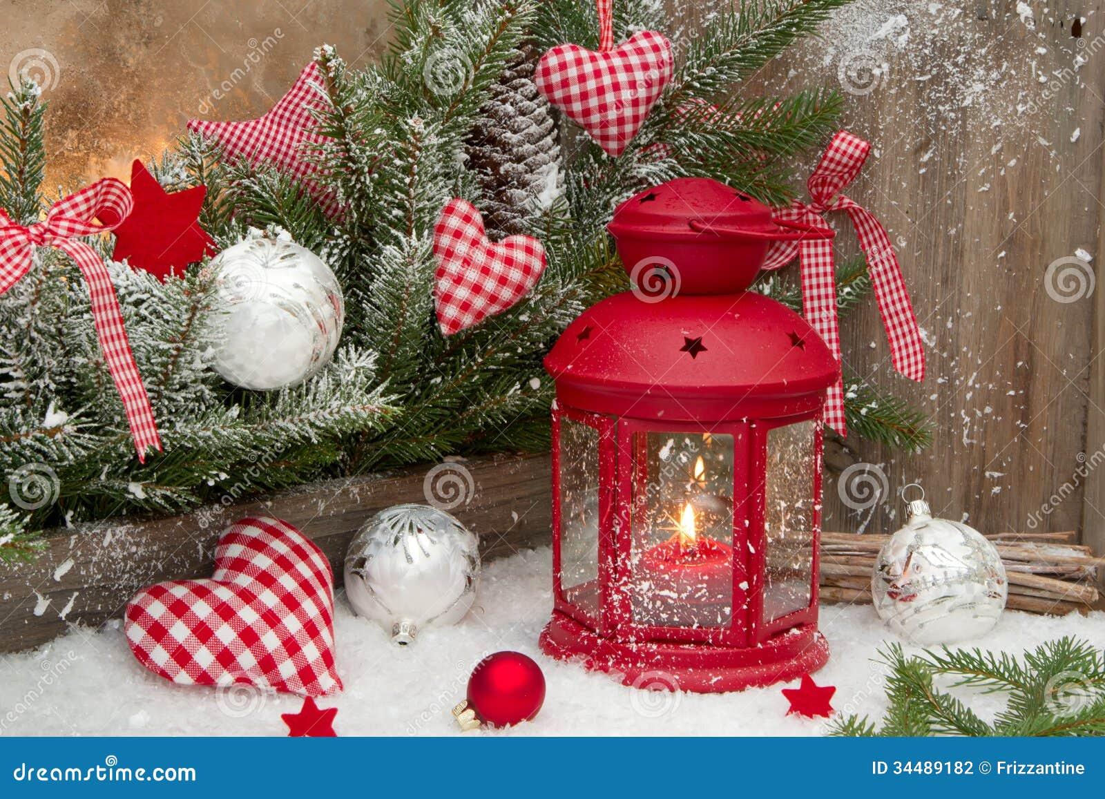 Lanterna rossa con i lumi di candela heards controllati for Decorazione lanterne natale