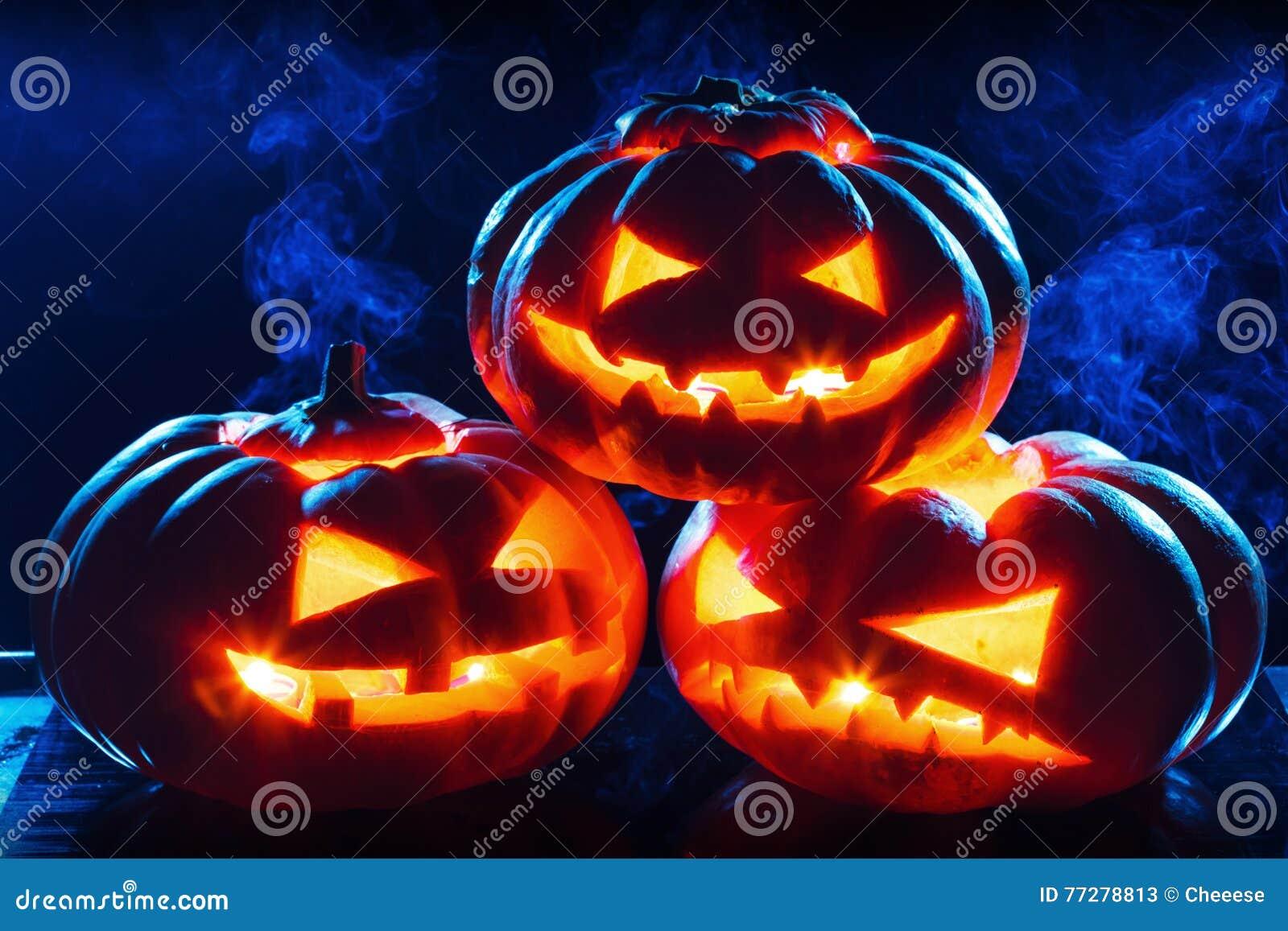 Lanterne de cric de tête de potiron de Halloween