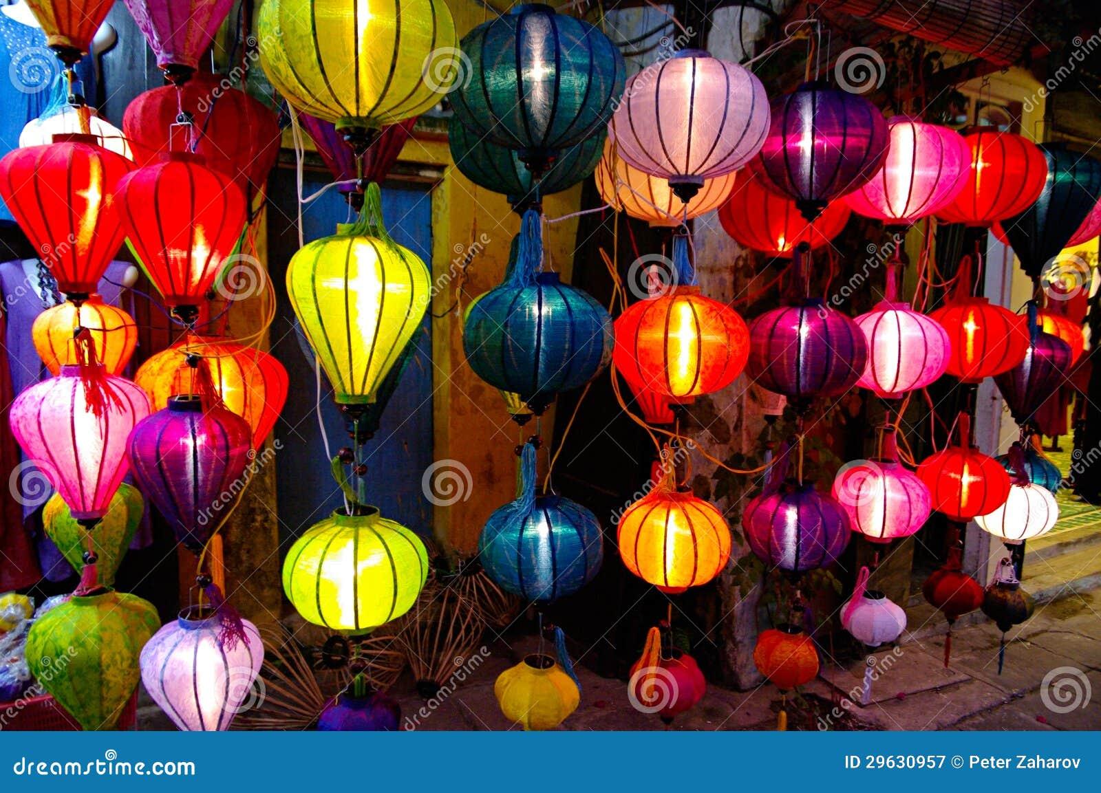 Lanternes En Soie Dans Hoi Une Ville Vietnam graphie stock libre de droits Image