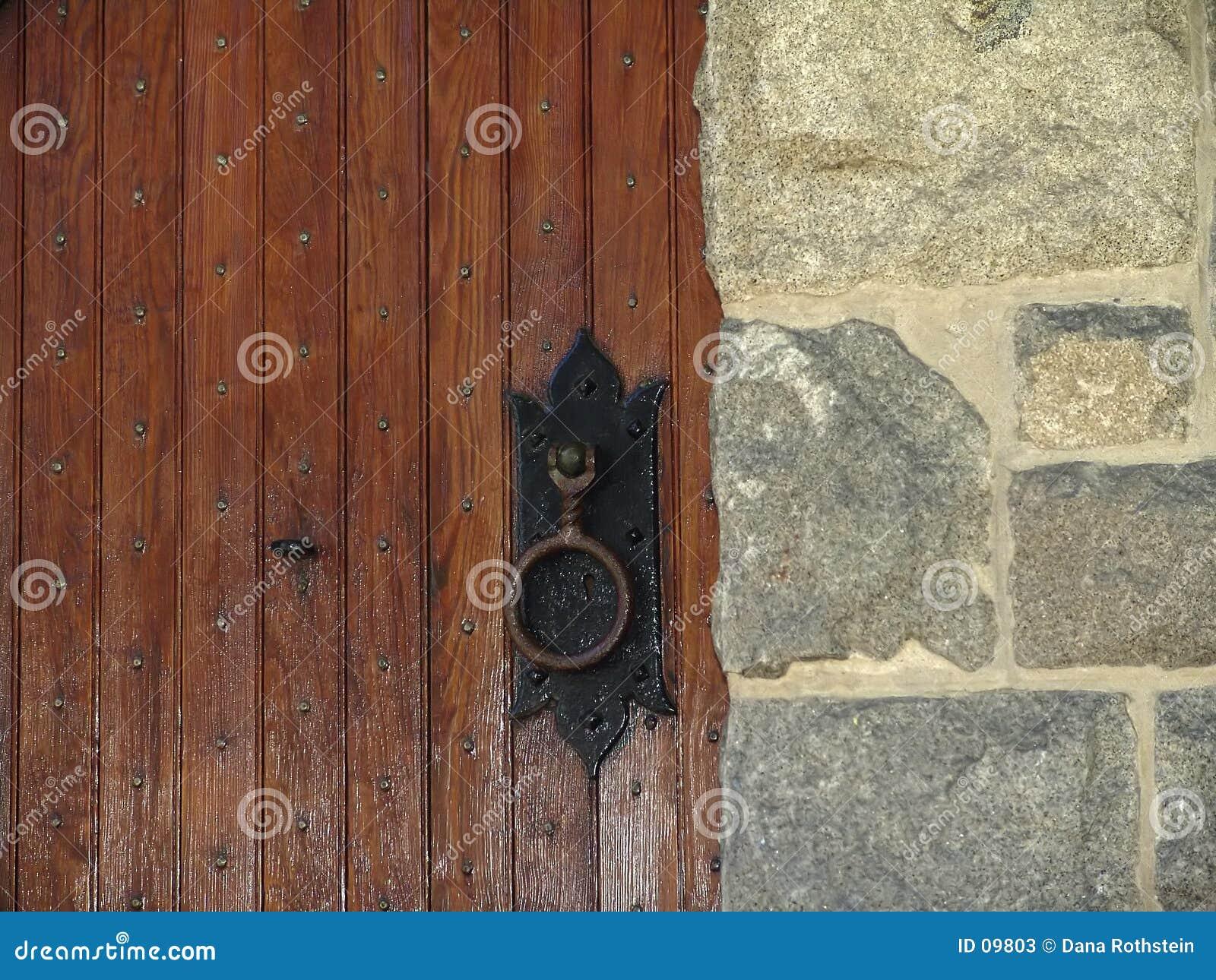 Lantlig dörr